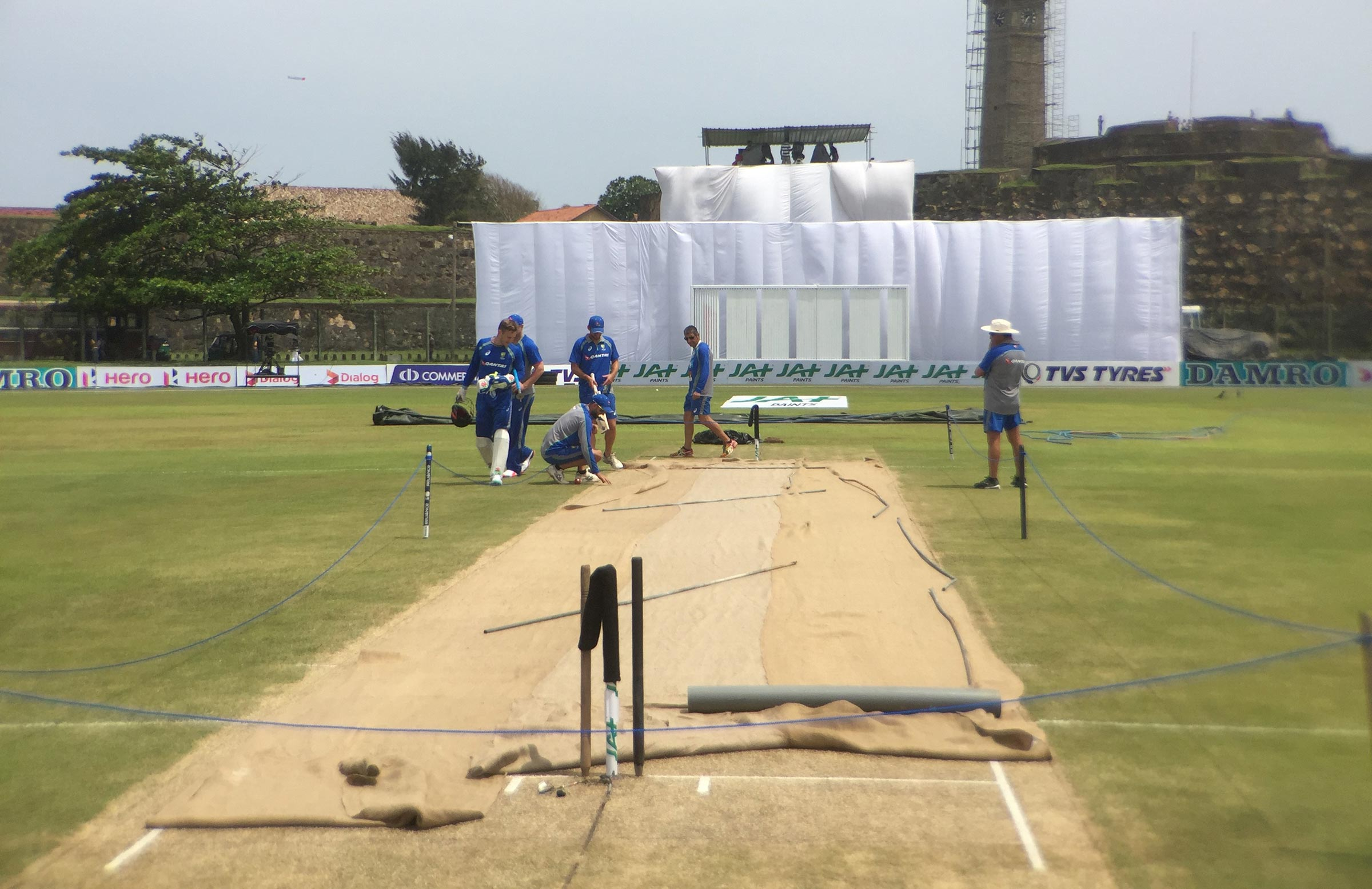 The Australians inspect the Galle pitch on match eve // cricket.com.au