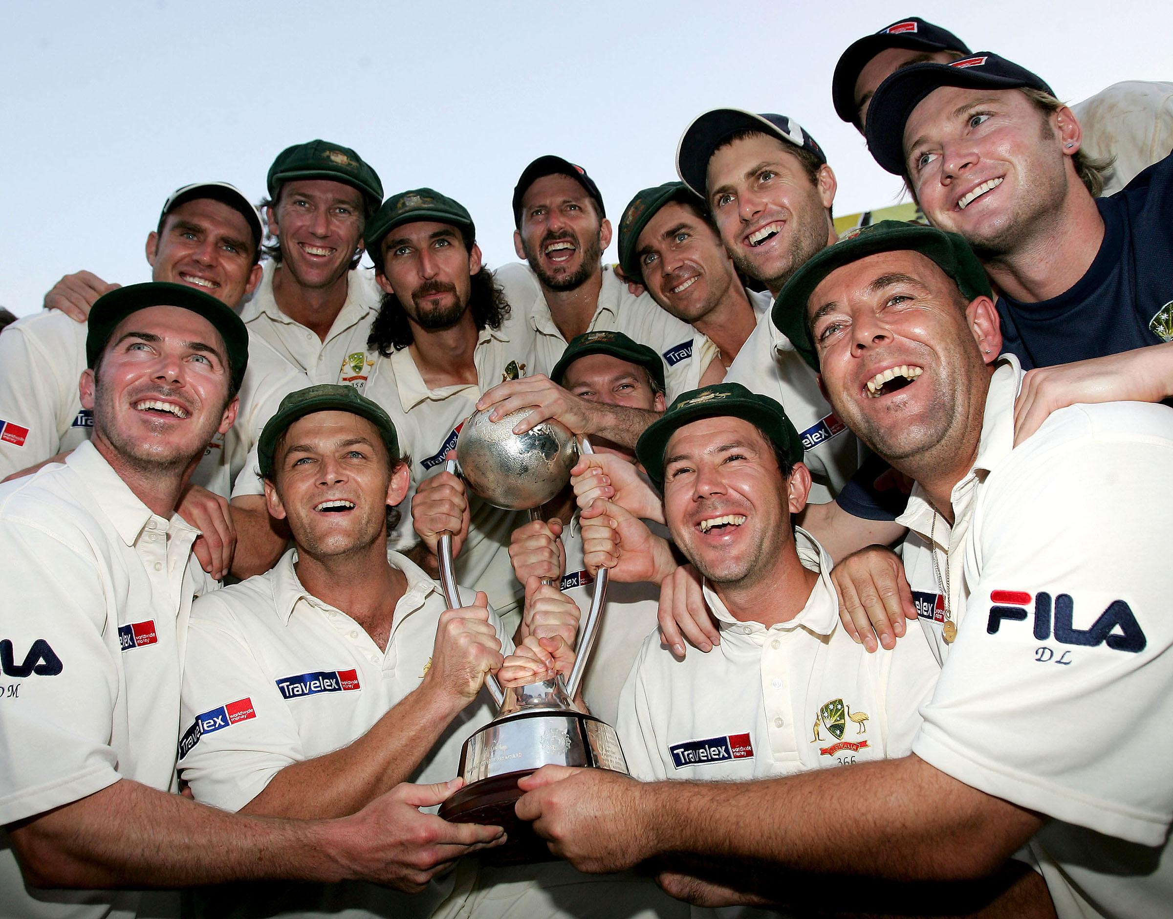 Australia celebrate their 2004 triumph in India // Getty