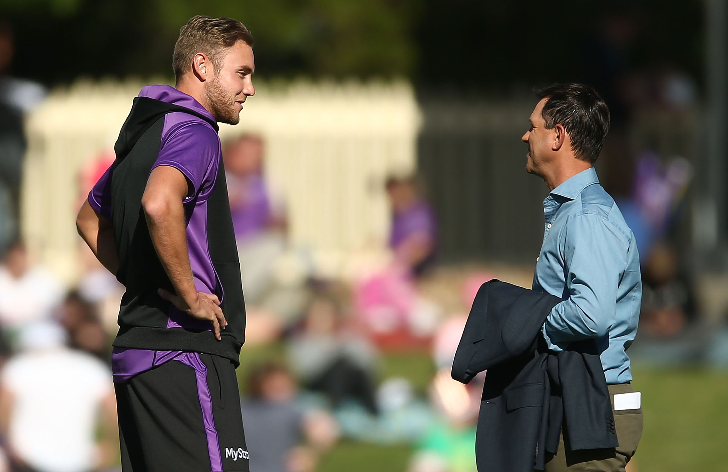 Broad and Ponting chat before a BBL match last summer // Getty