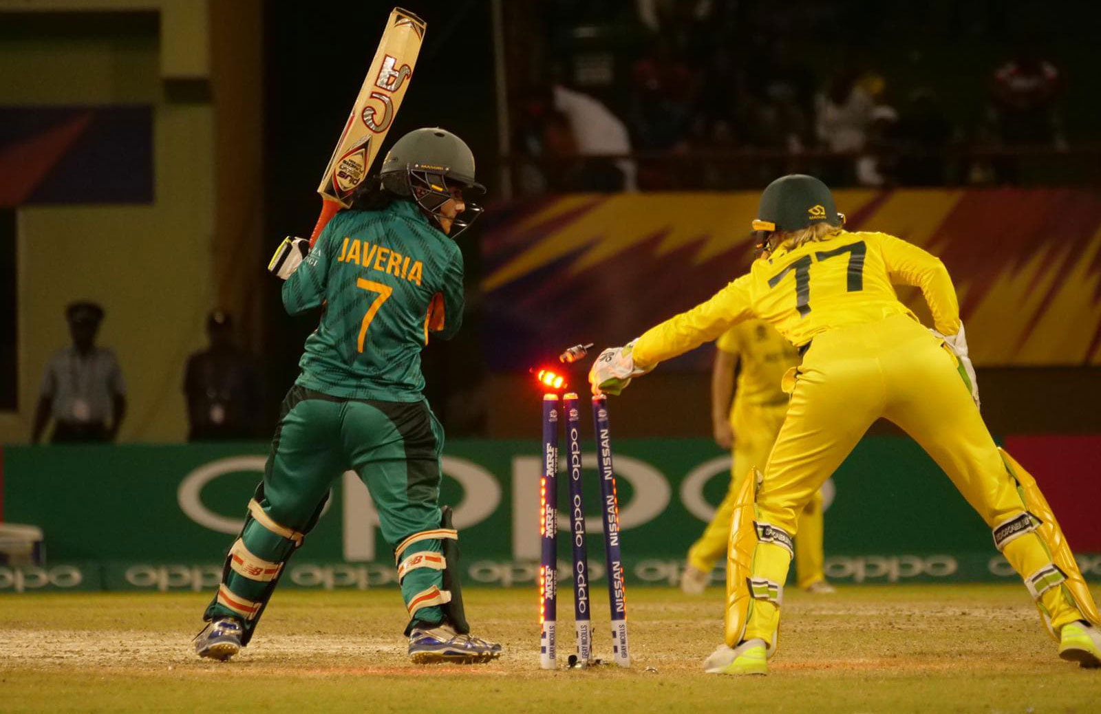 Alyssa Healy with a swift piece of work behind the stumps // Cricket Network
