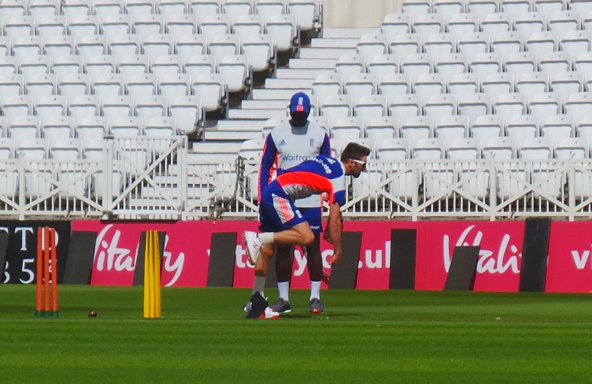 Mark Wood trains at Trent Bridge on Monday // Getty Images