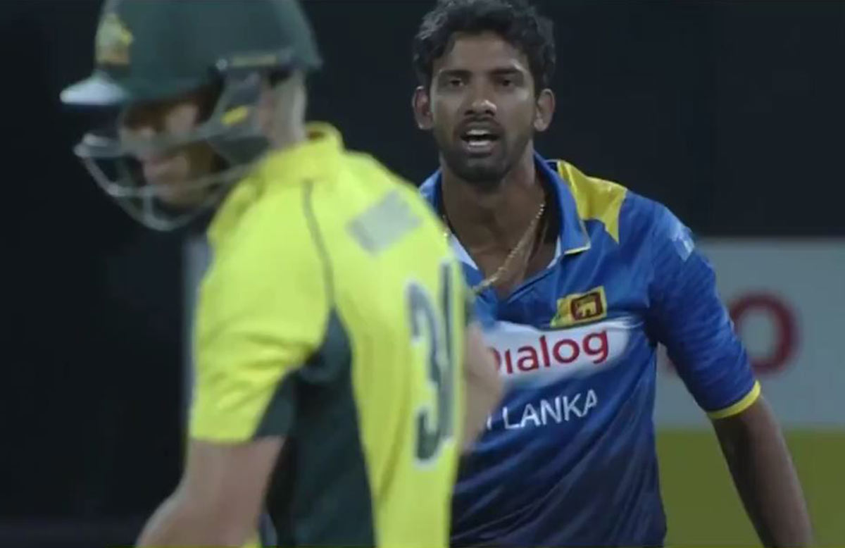 Senanayake lets Warner know what he thinks // screengrab