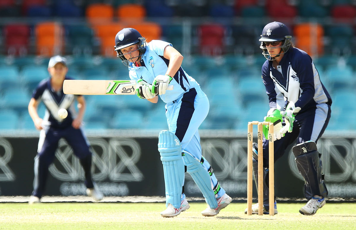 Alyssa Healy in action for the Breakers // Getty