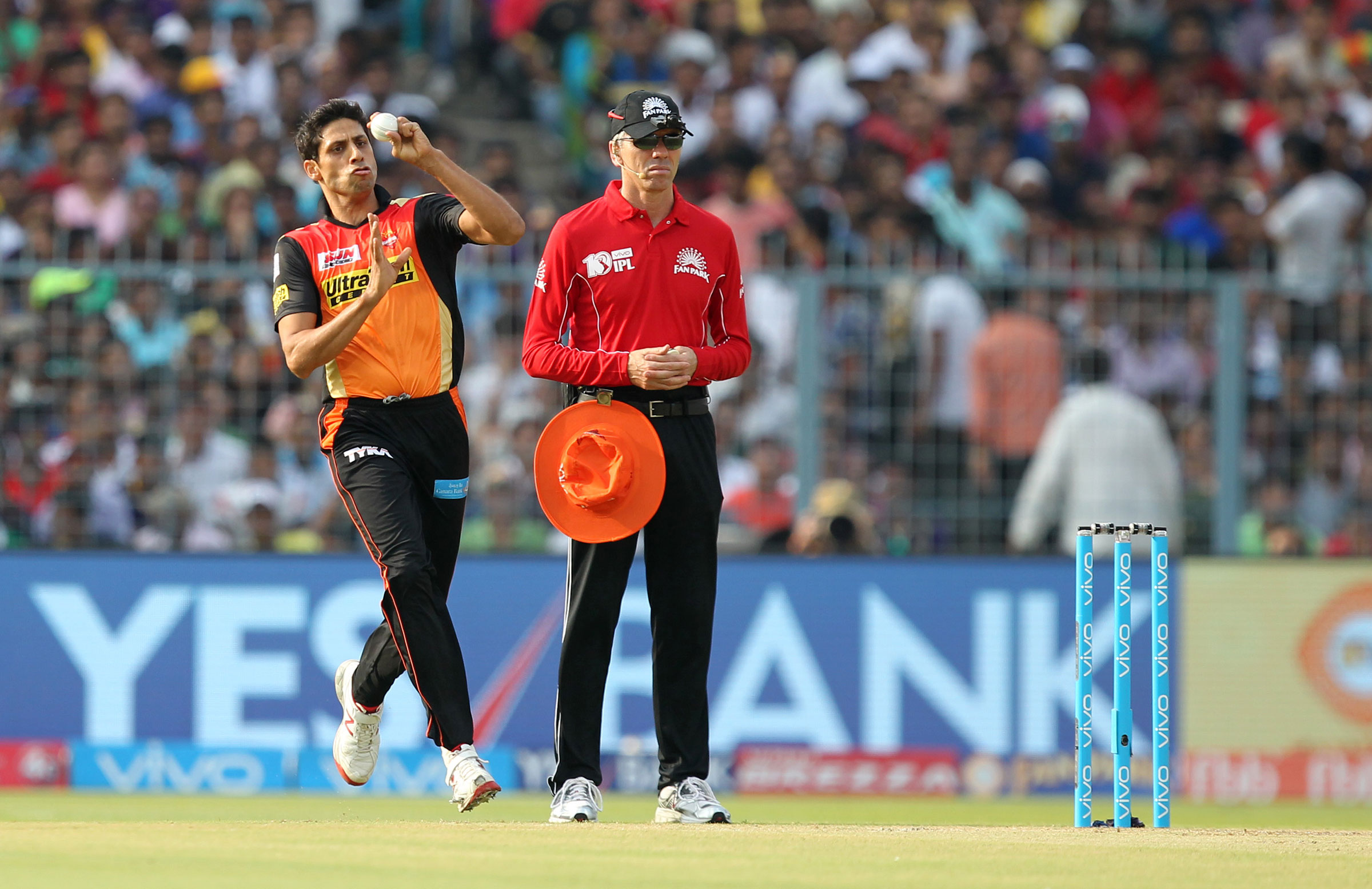 Ashish Nehra has played for five different IPL franchises // BCCI