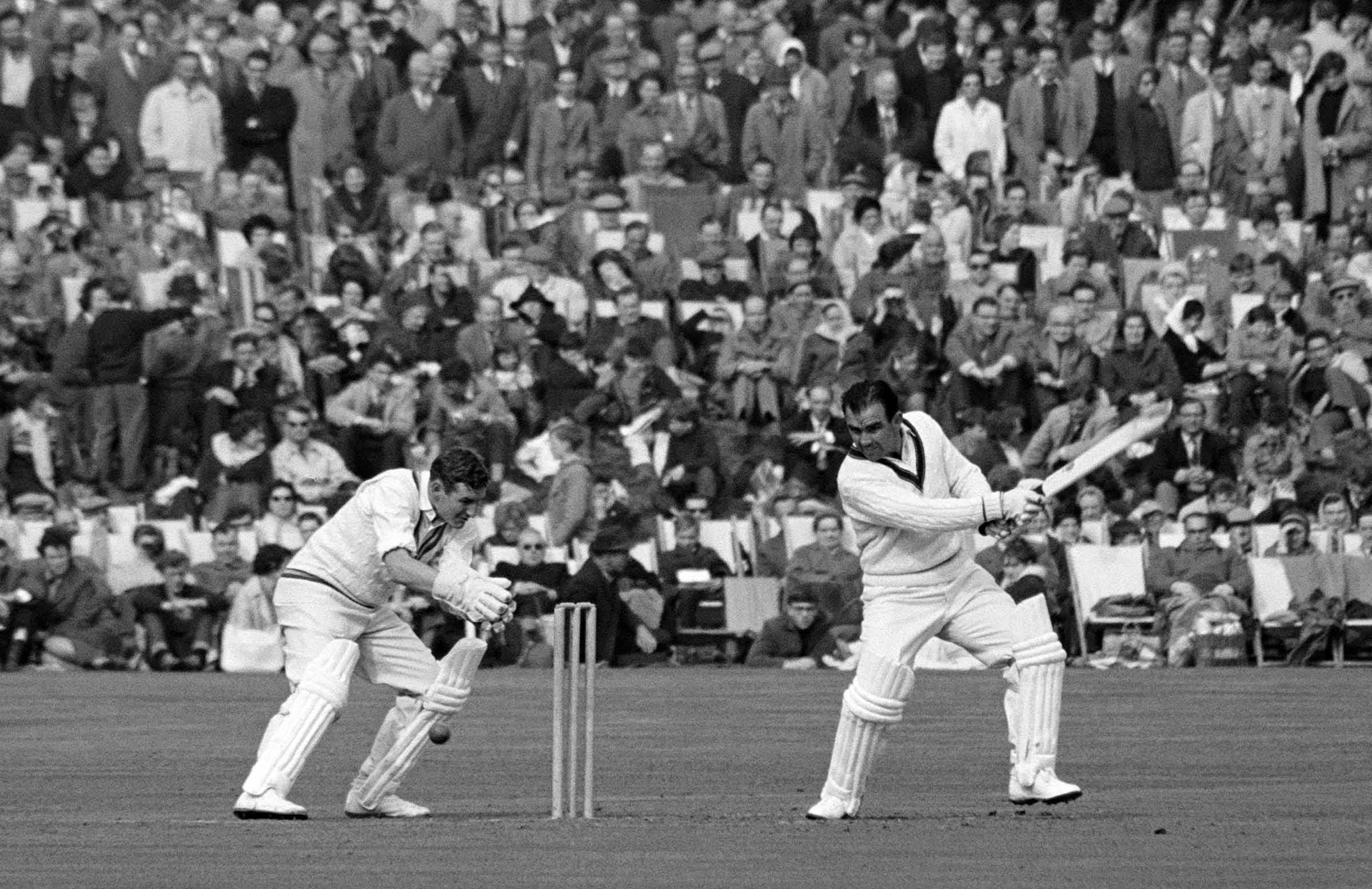 Simpson in action during the 1964 Ashes // Getty