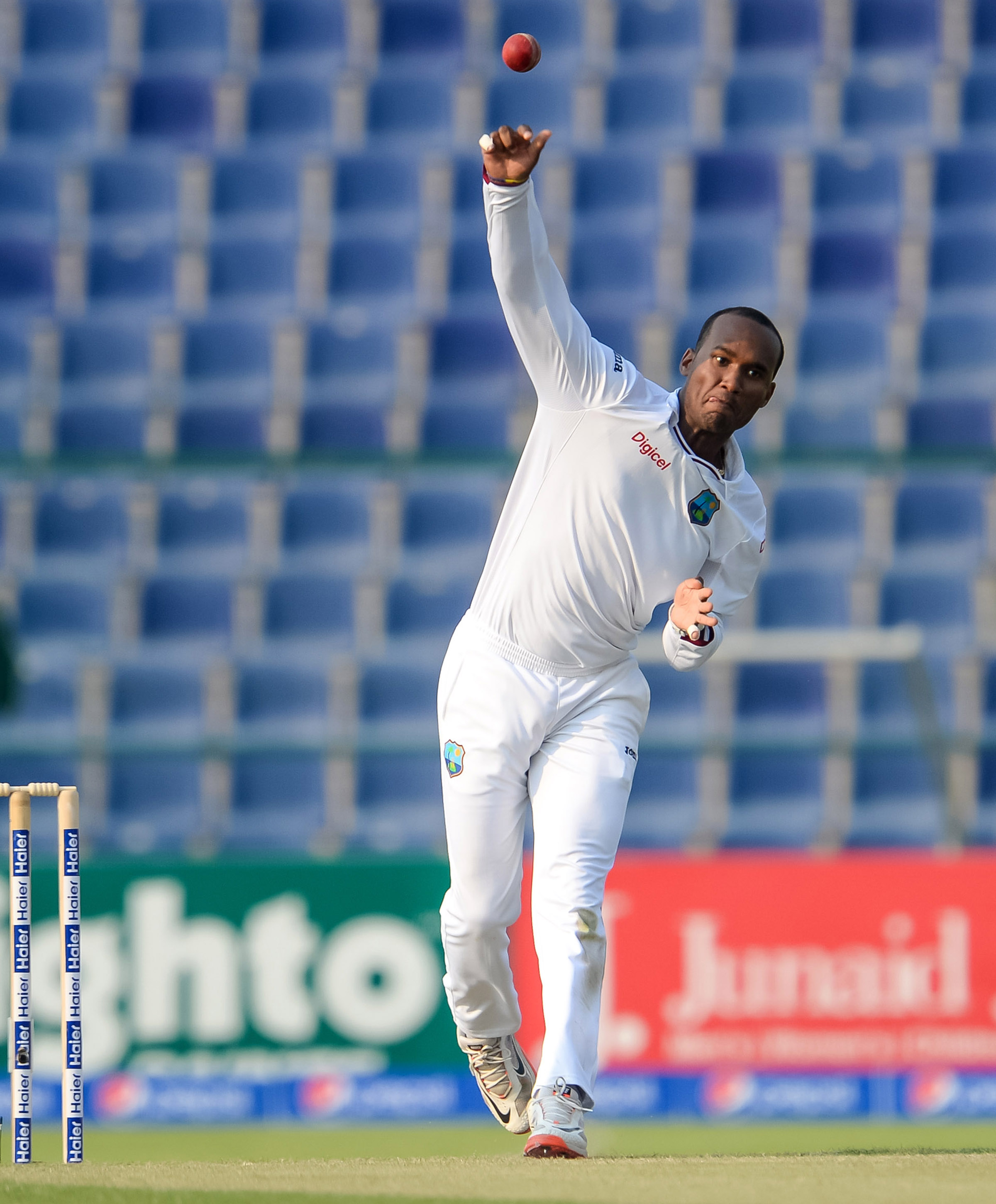 Brathwaite bowling in a Test against Pakistan in 2016 // Getty Images