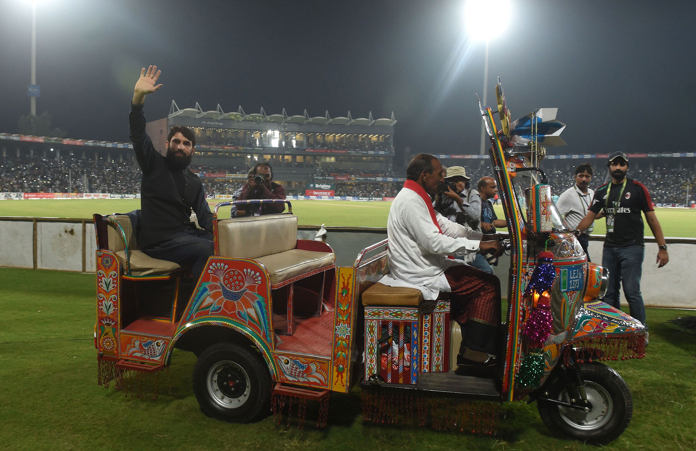 The pCB arranged a lap of honour for retired great Misbah-ul-Haq // Getty
