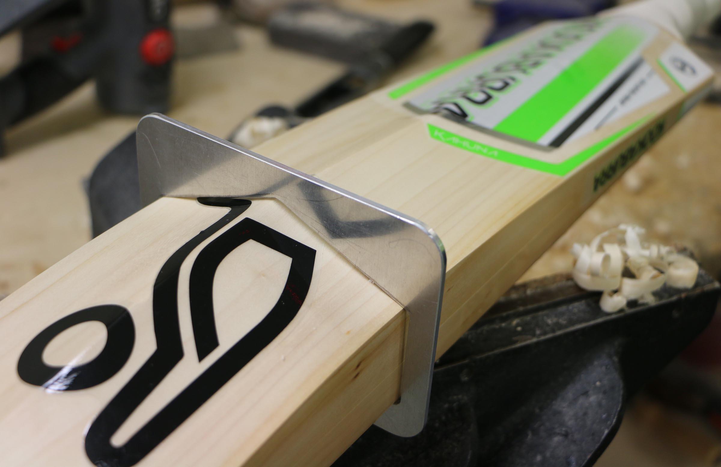A close-up look at the new bat gauge // Kookaburra