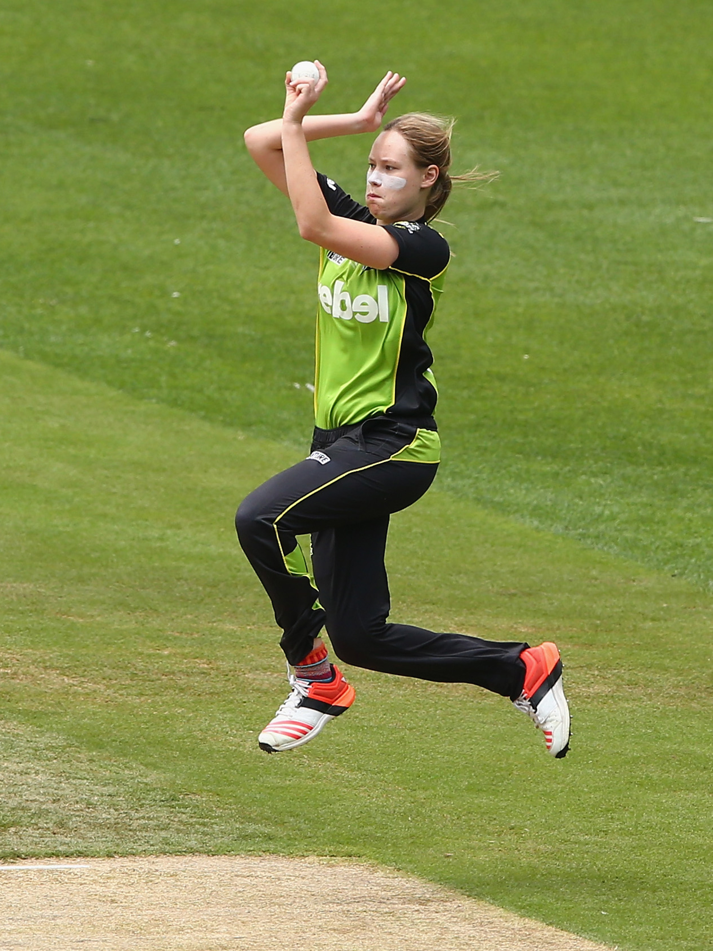 Cheatle in action for the Sydney Thunder // Getty