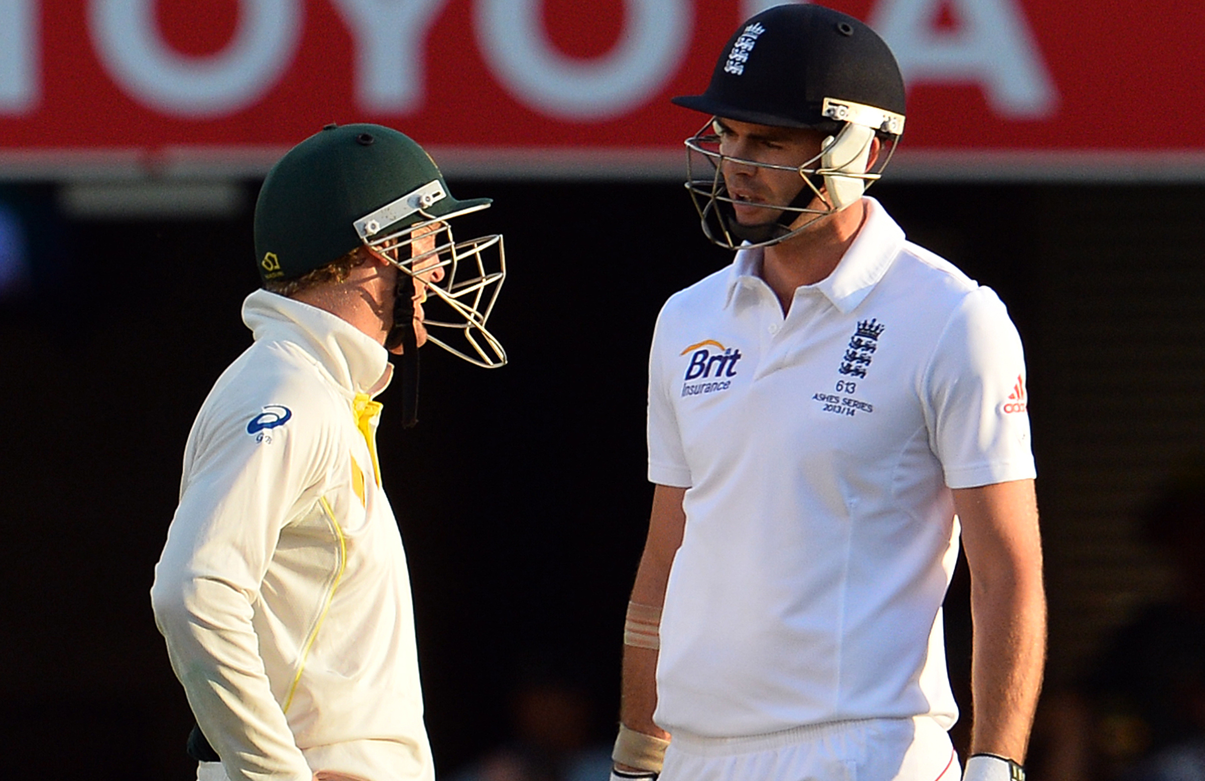 George Bailey getting acquainted with Anderson while he bats in '13-14 Ashes // Getty