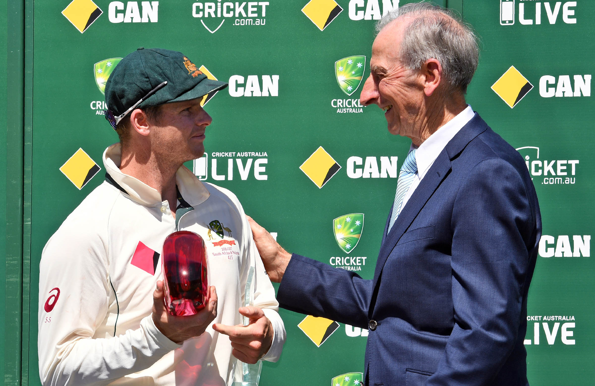 Lawry says Steve Smith adds thousands to Test crowds // Getty