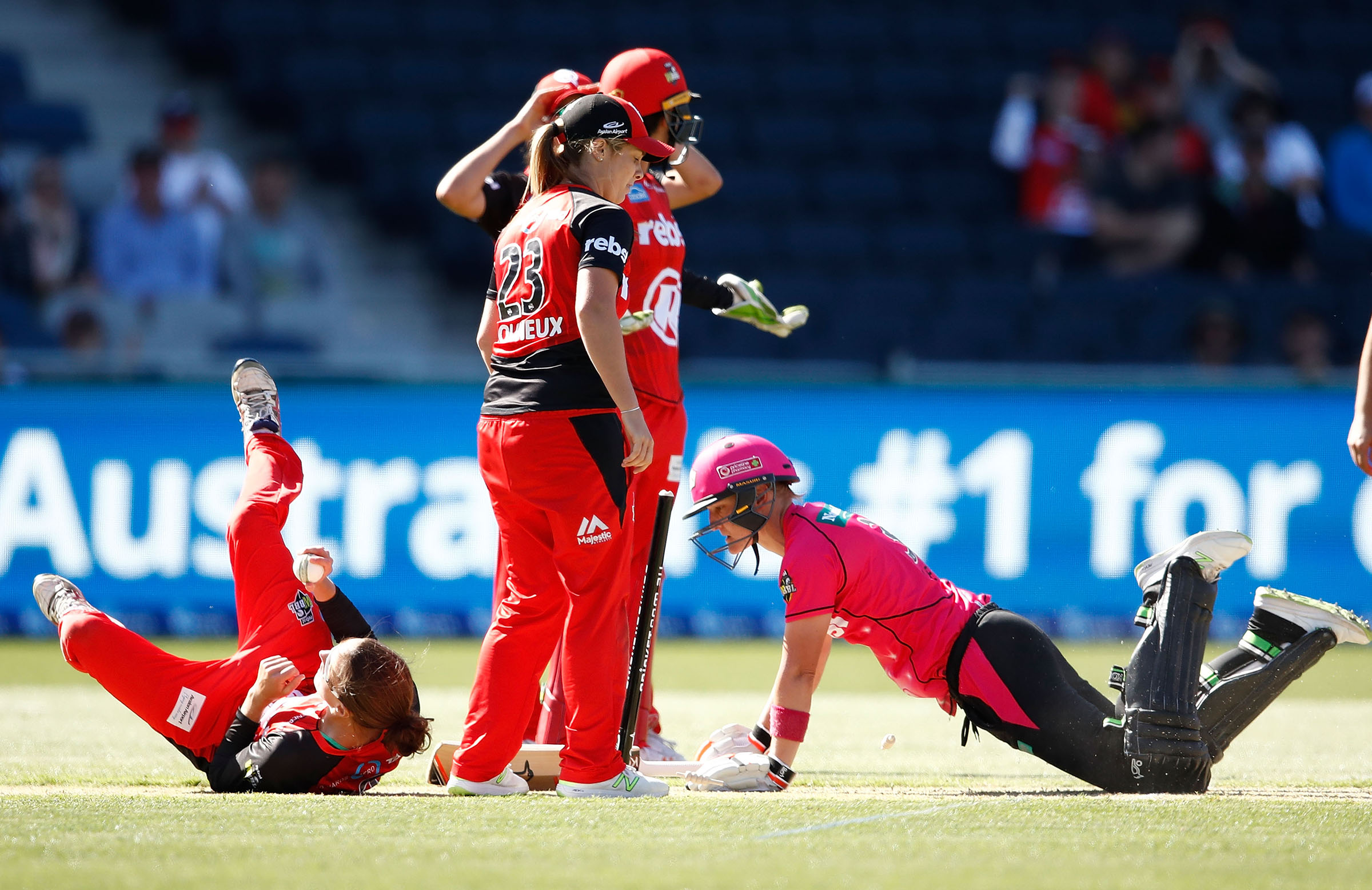 Aley dives and makes her ground to force a Super Over // Getty