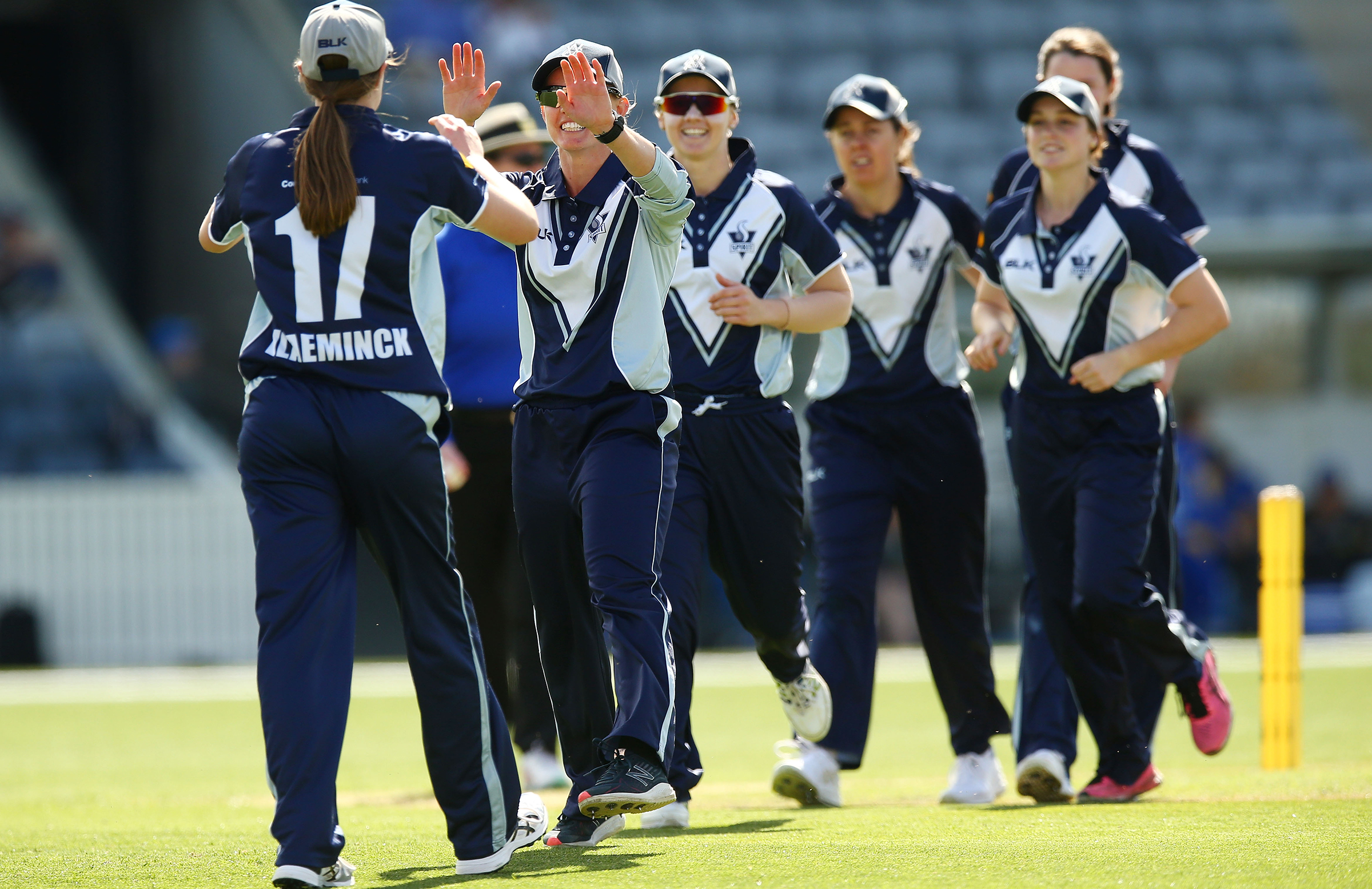 Vlaeminck celebrates a catch with her VicSpirit teammates in her WNCL debut // Getty