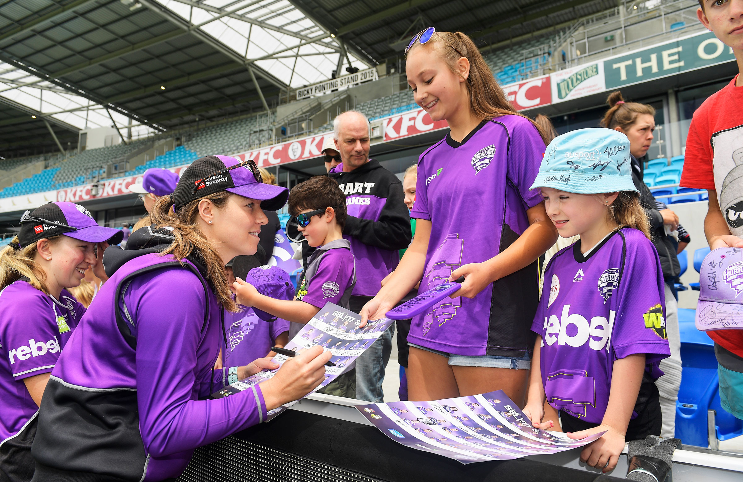 Katelyn Fryett meets the fans in the WBBL // Getty