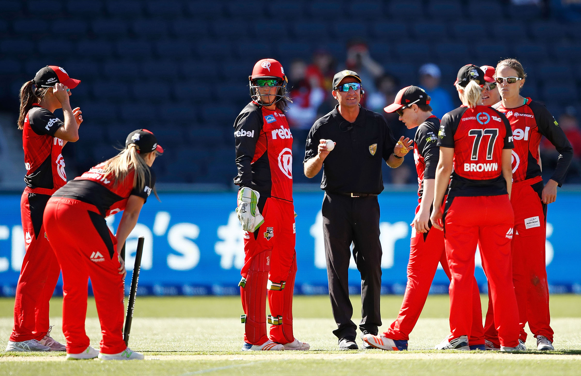 The Renegades react after the last ball drama // Getty