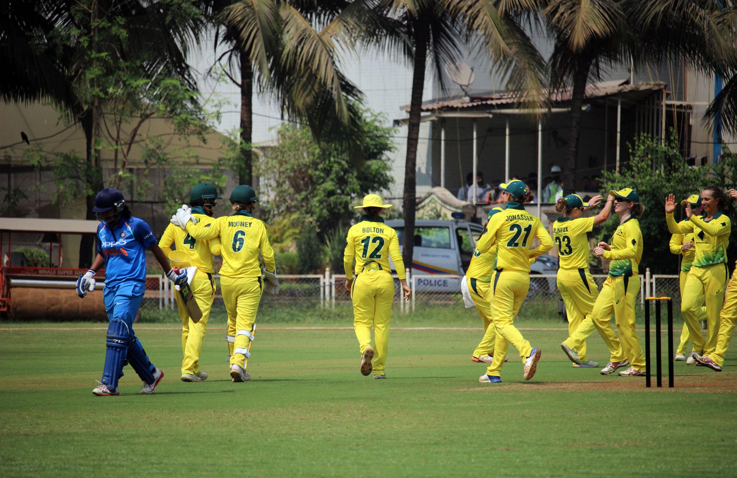 Ashleigh Gardner celebrates a wicket // cricket.com.au