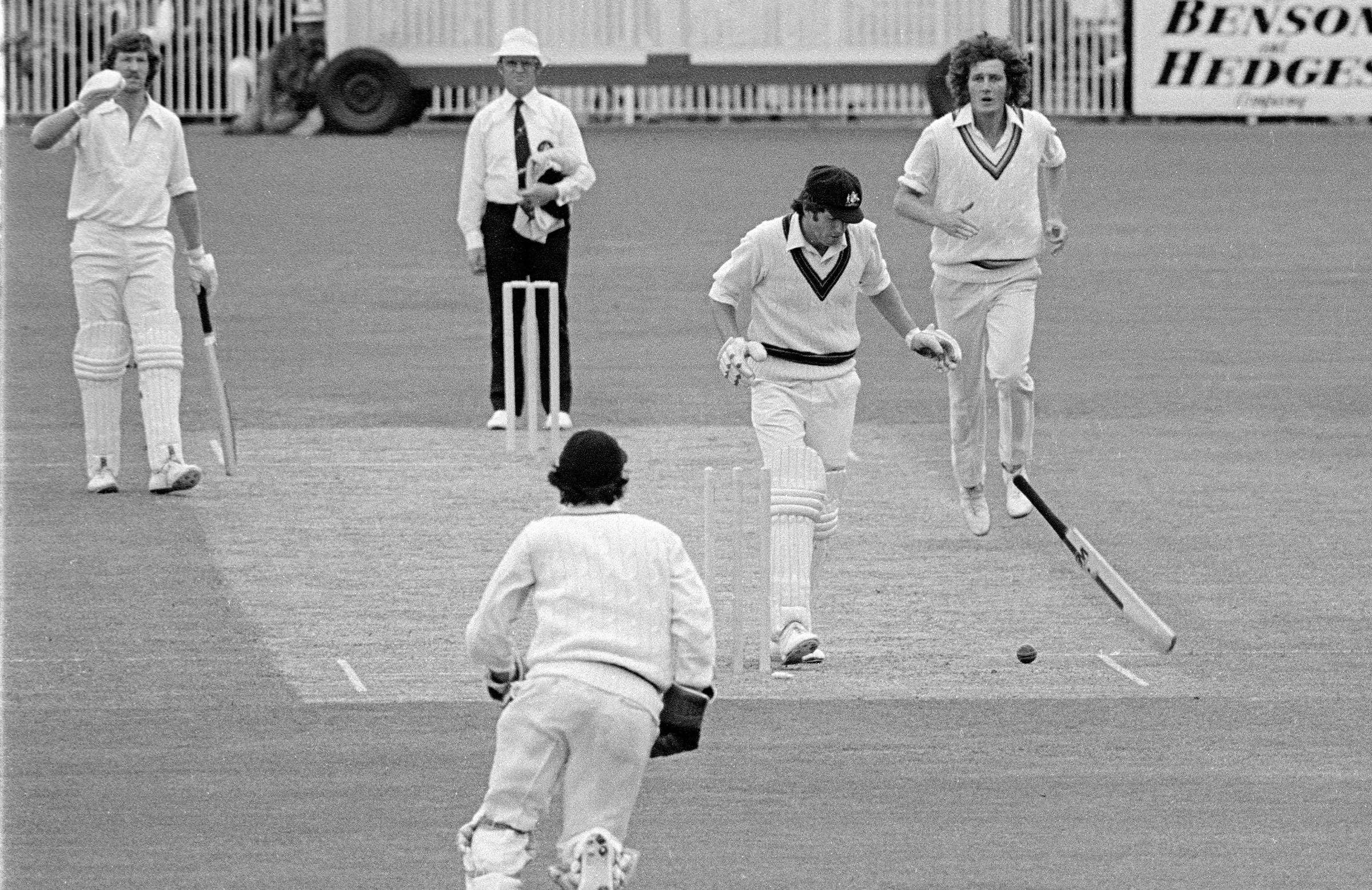 Moments after McCosker was struck in the jaw // Getty
