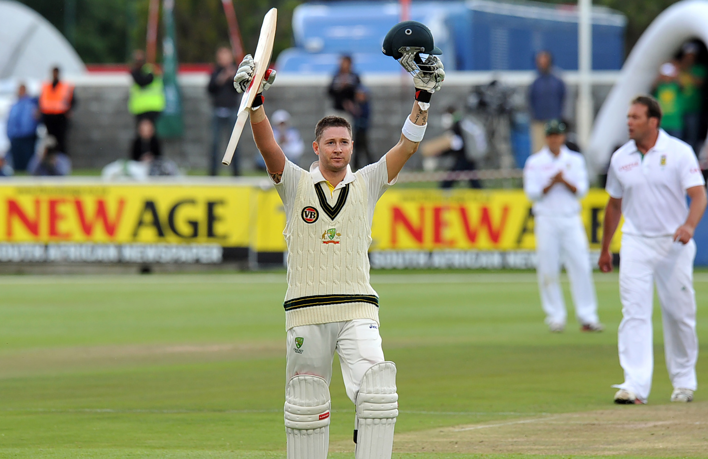 'One of the best hundreds I've seen' said Ricky Ponting of Clarke's 2011 Cape Town ton // Getty