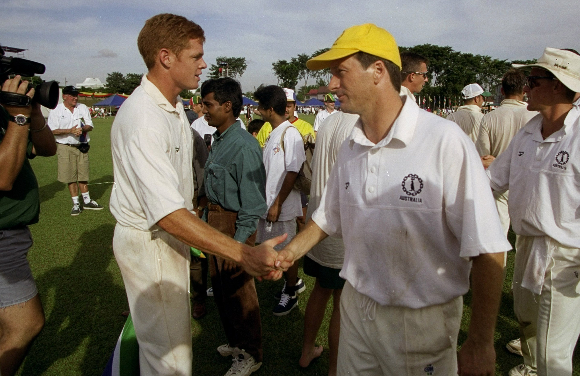 Steve Waugh and Shaun Pollock after the final // Getty