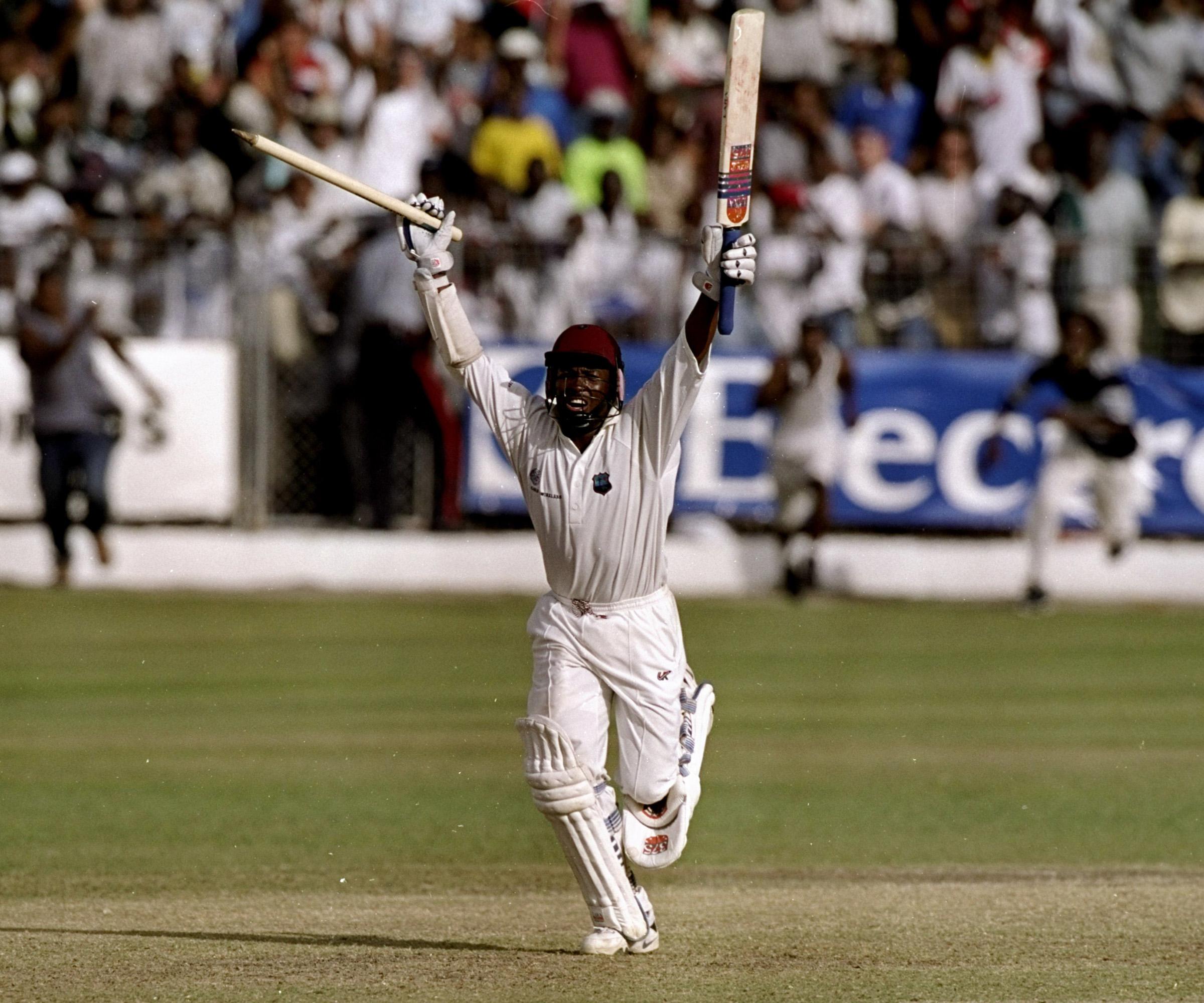 Lara celebrates the best innings of his career // Getty