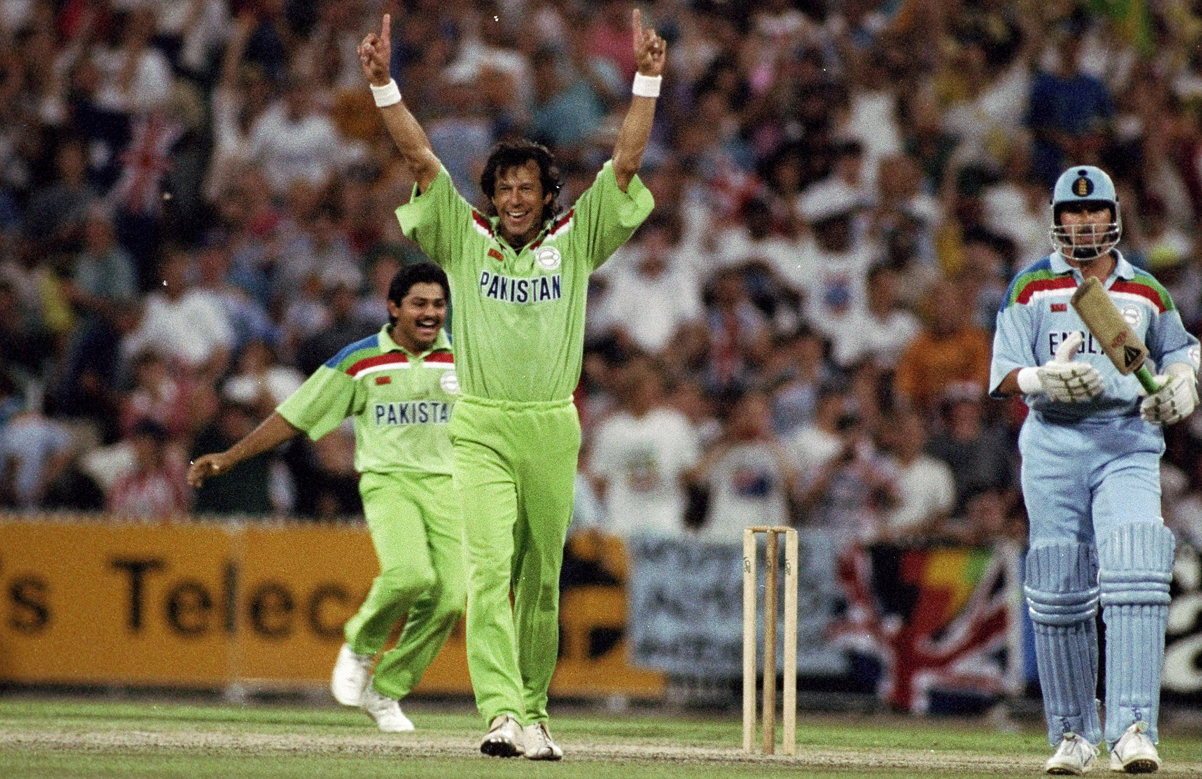 Imran celebrates as Pakistan clinch the World Cup final // Getty