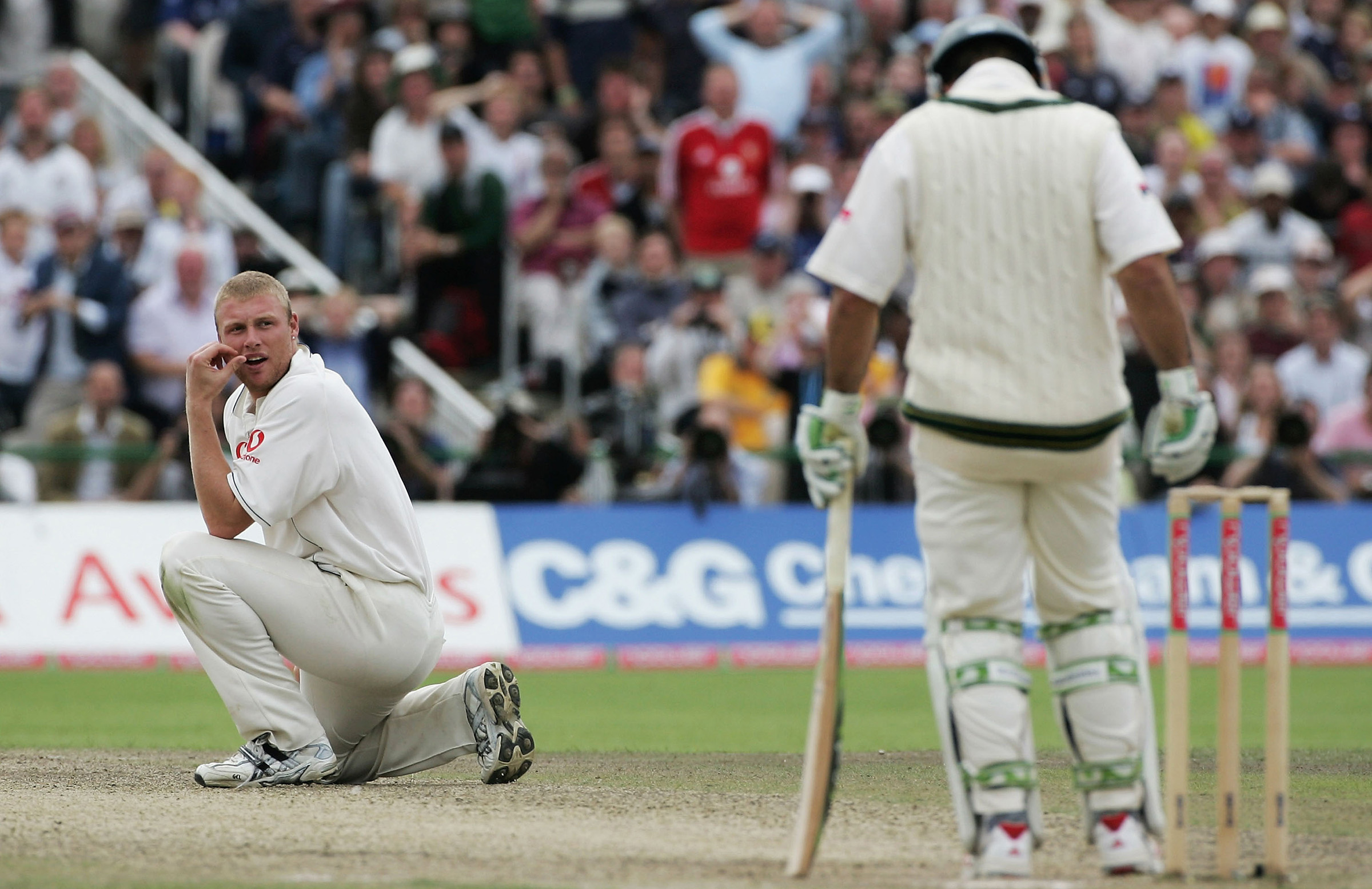 Flintoff ponders how to remove Australia's skipper // Getty