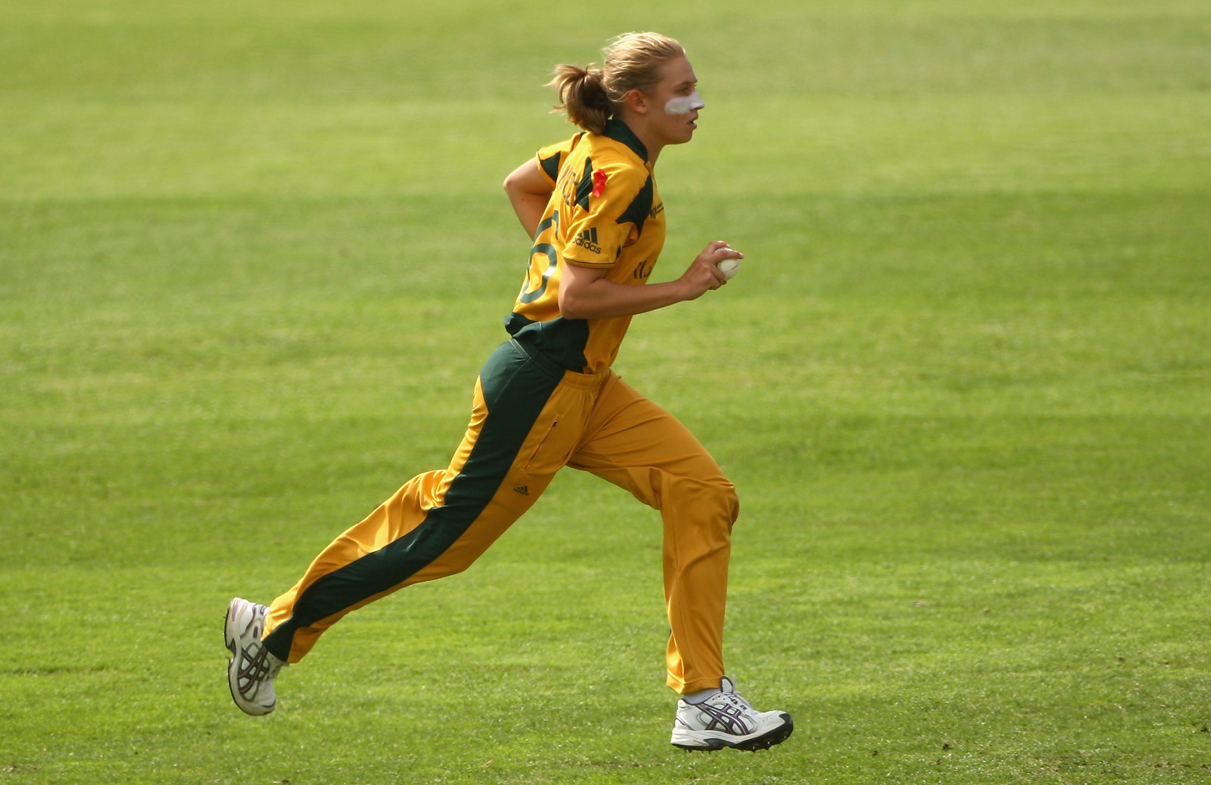 Kimmince runs in during the 2009 World Cup // Getty