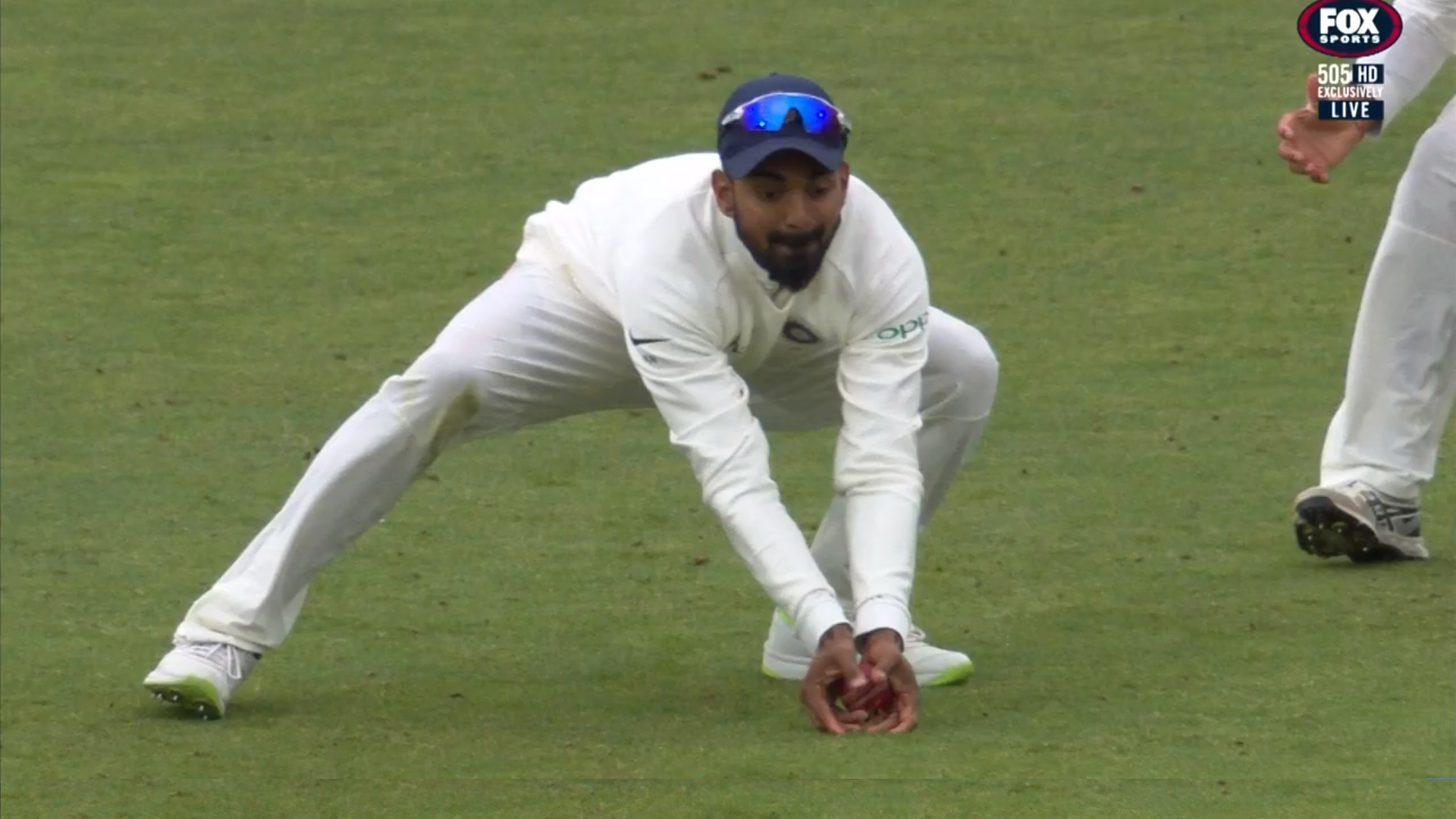 KL Rahul's low catch off Joe Root // Fox Cricket