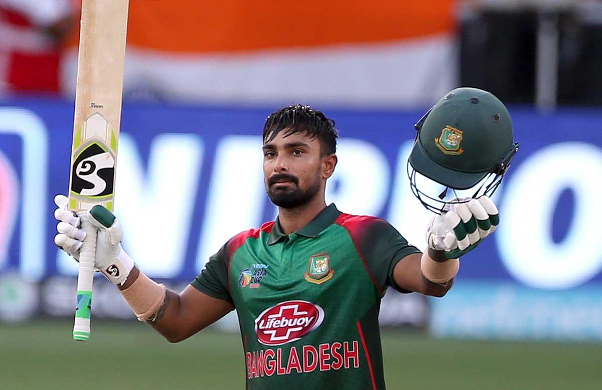Liton Das celebrates his Asia Cup century // AP
