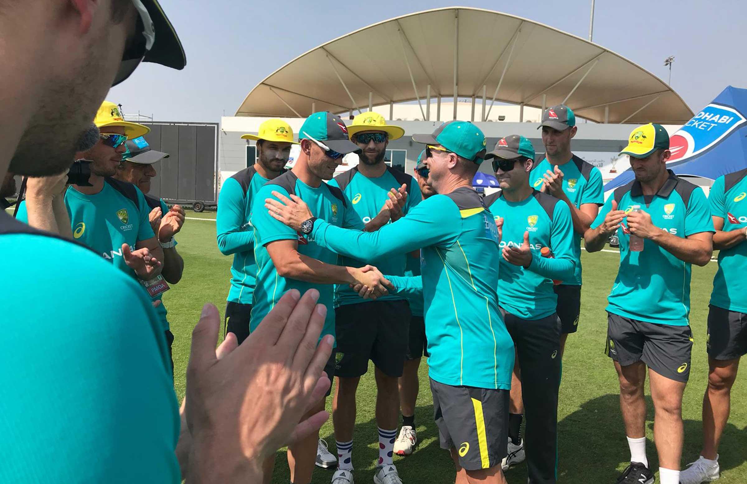Ben McDermott recieves his T20 cap from Brad Haddin // Cricket Network