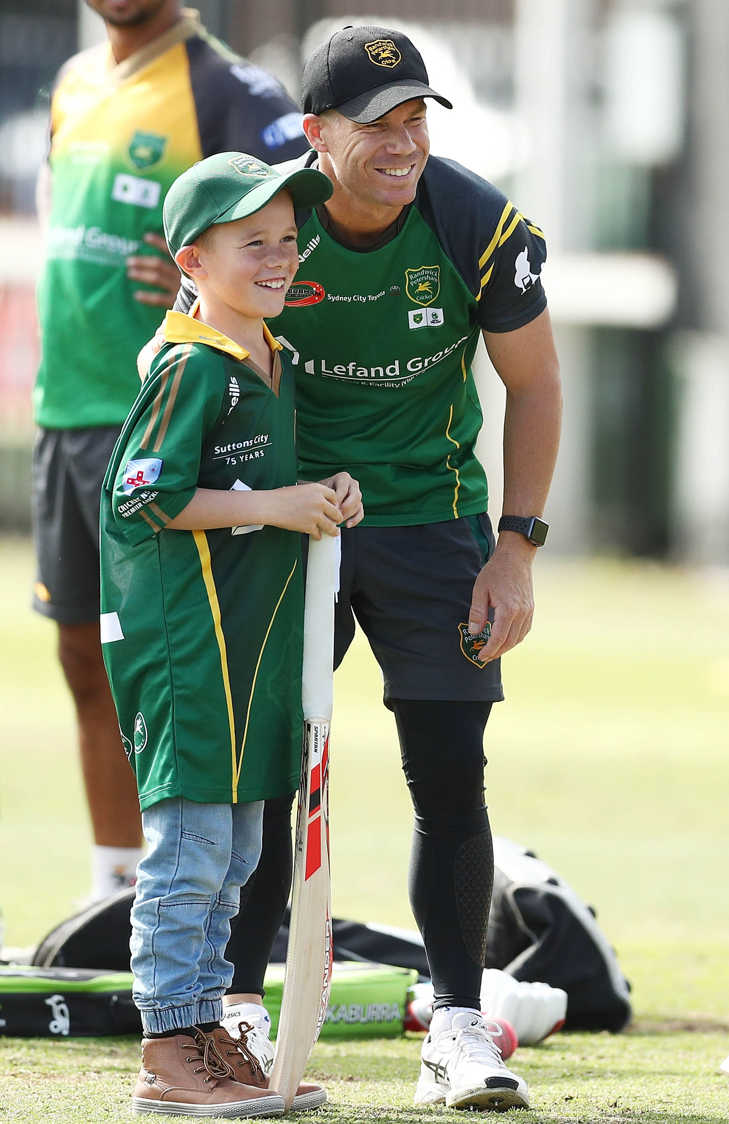 Warner makes a young fan's day // Getty