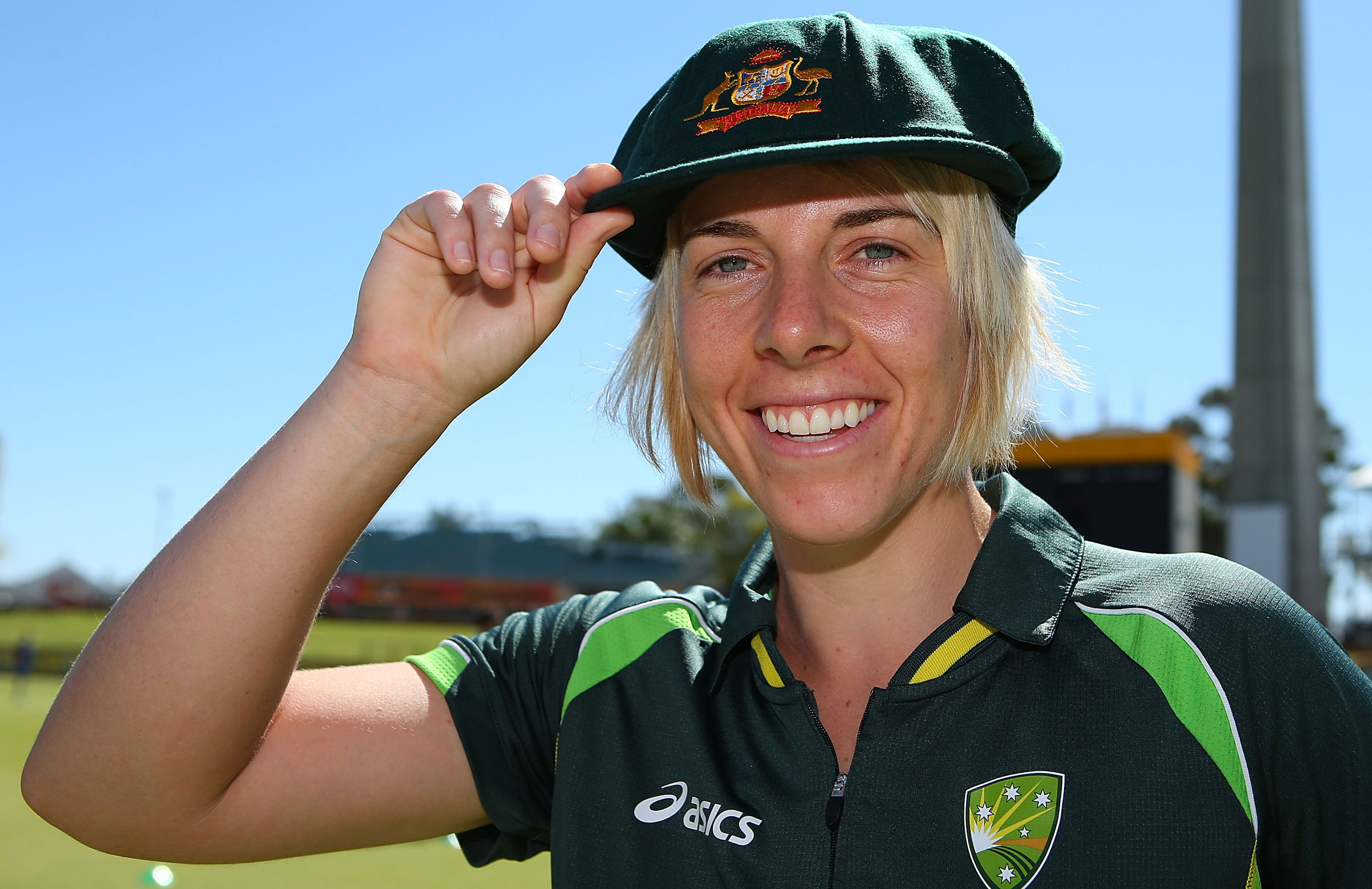 Ellyse Villani with her Baggy Green cap in 2014 // Getty Images
