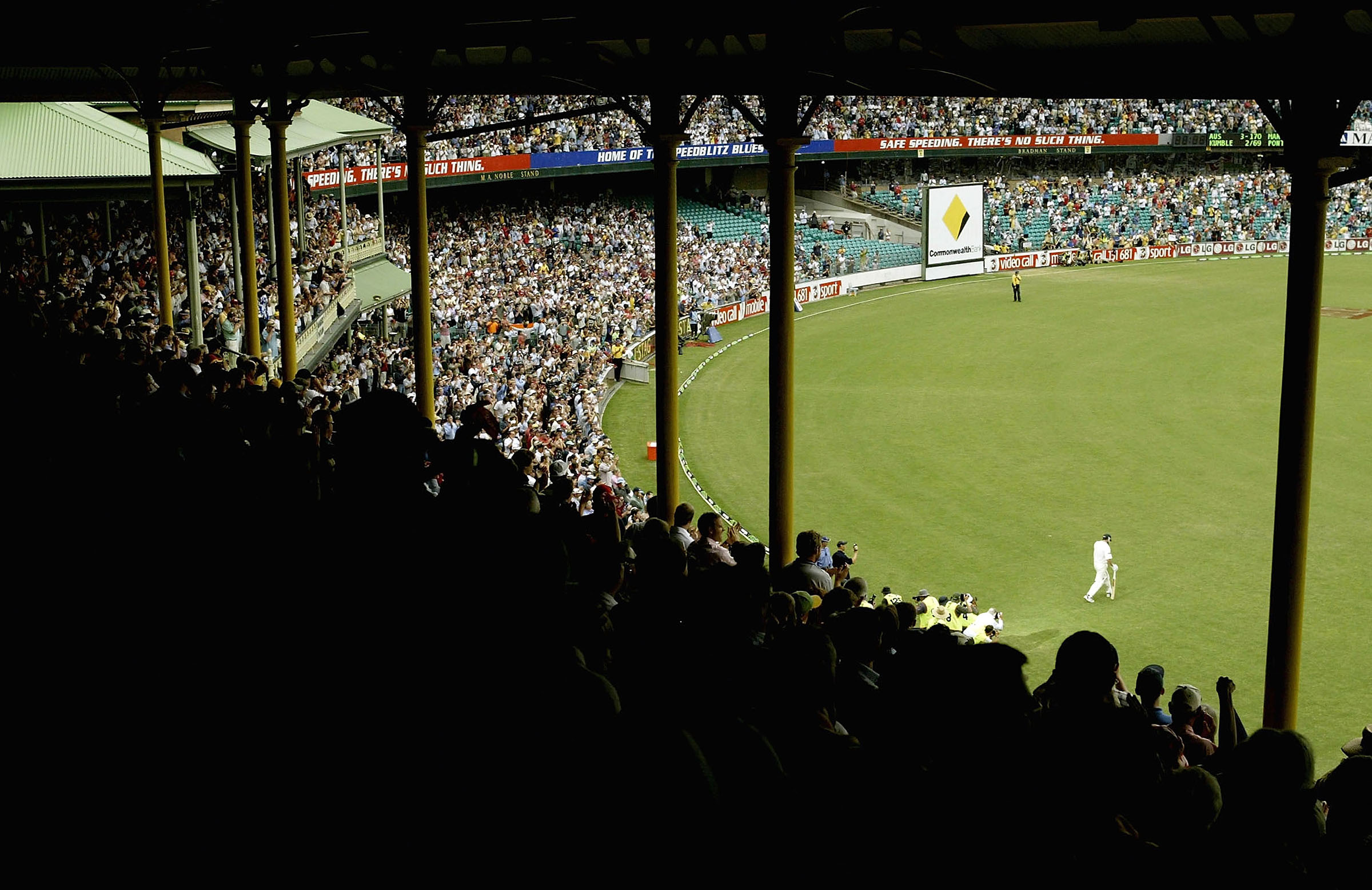 The final walk out to the middle // Getty