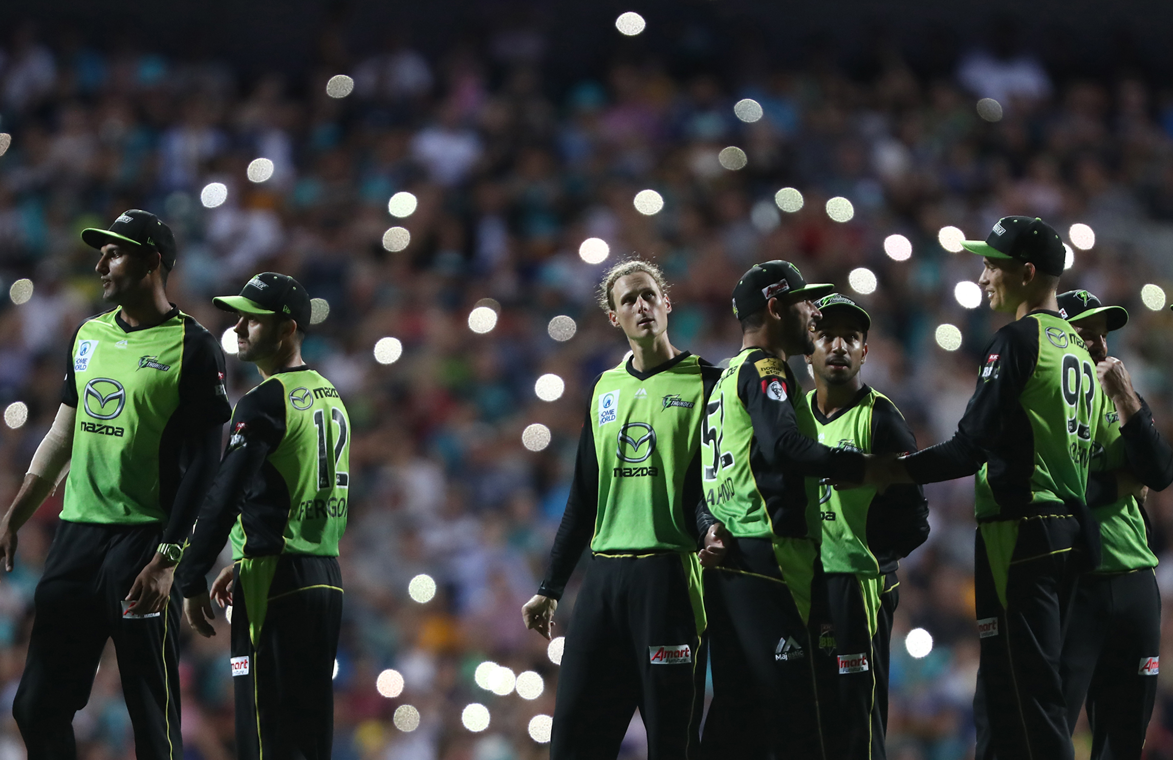 Fans light up the Gabba with their phones // Getty
