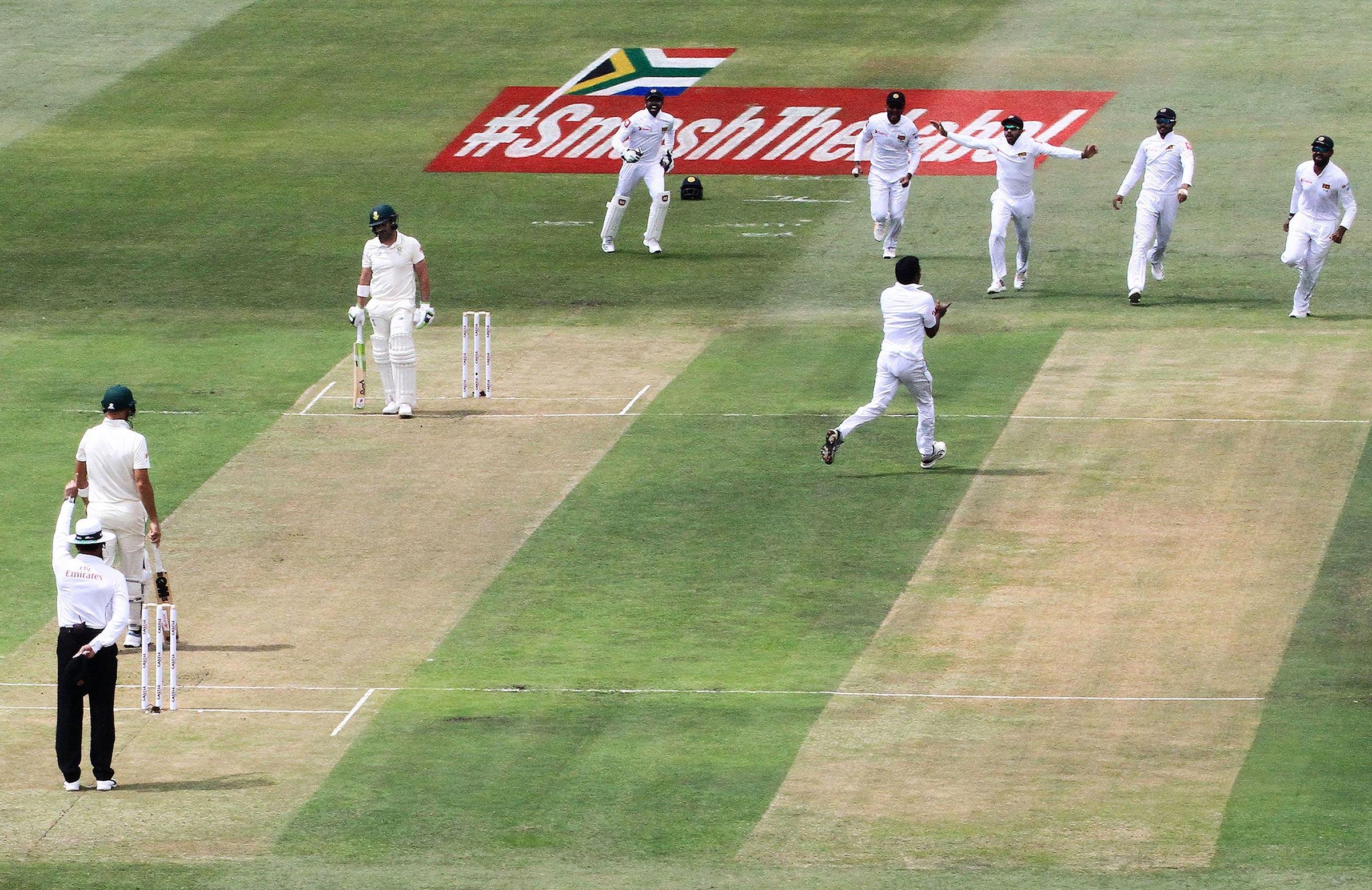Sri Lanka celebrate an early wicket // Getty
