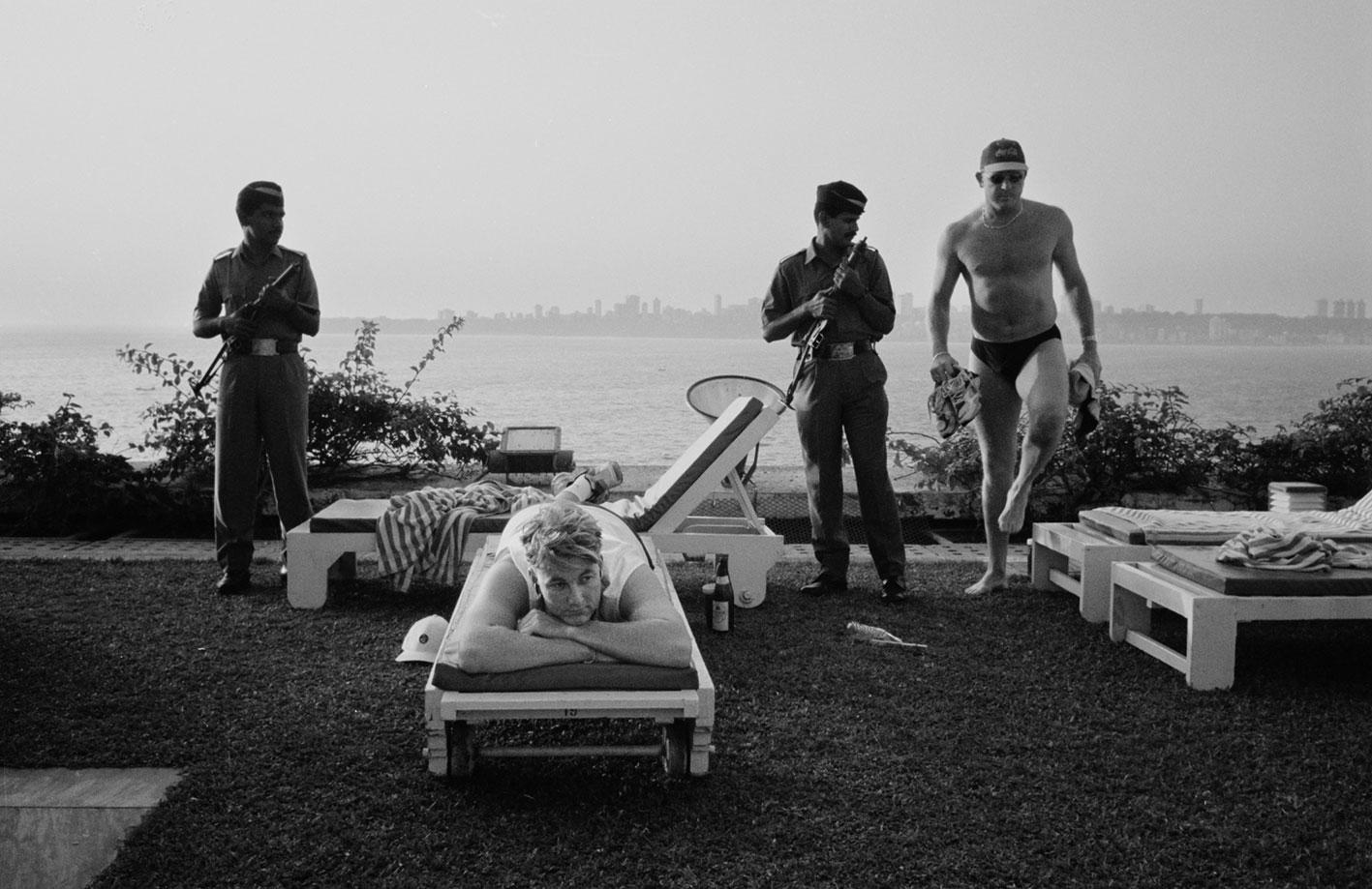 Shane Lee and Craig McDermott at hotel poolside // Trent Parke / Magnum Photos