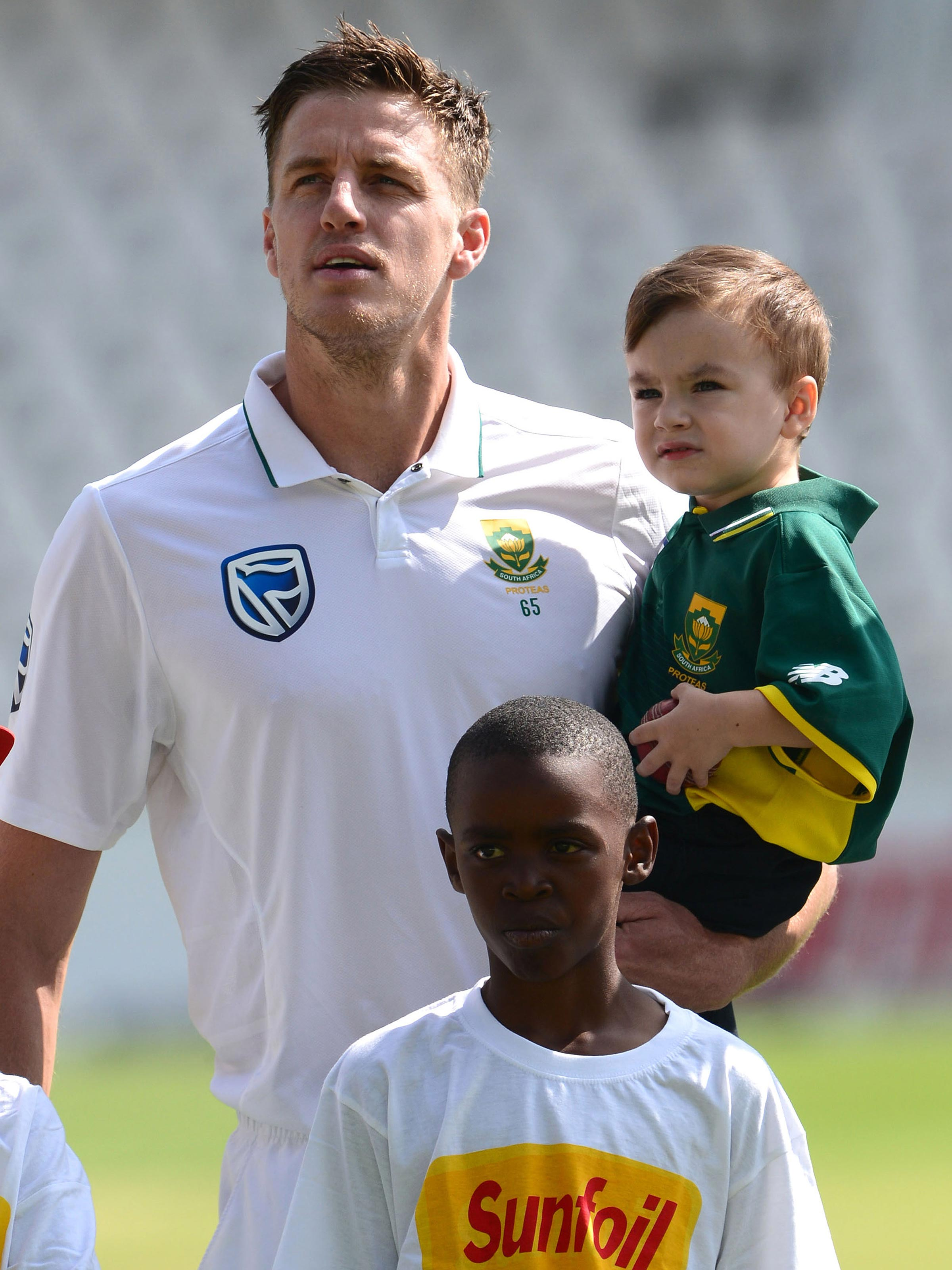 Morkel and son Arias during his farewell Test // Getty