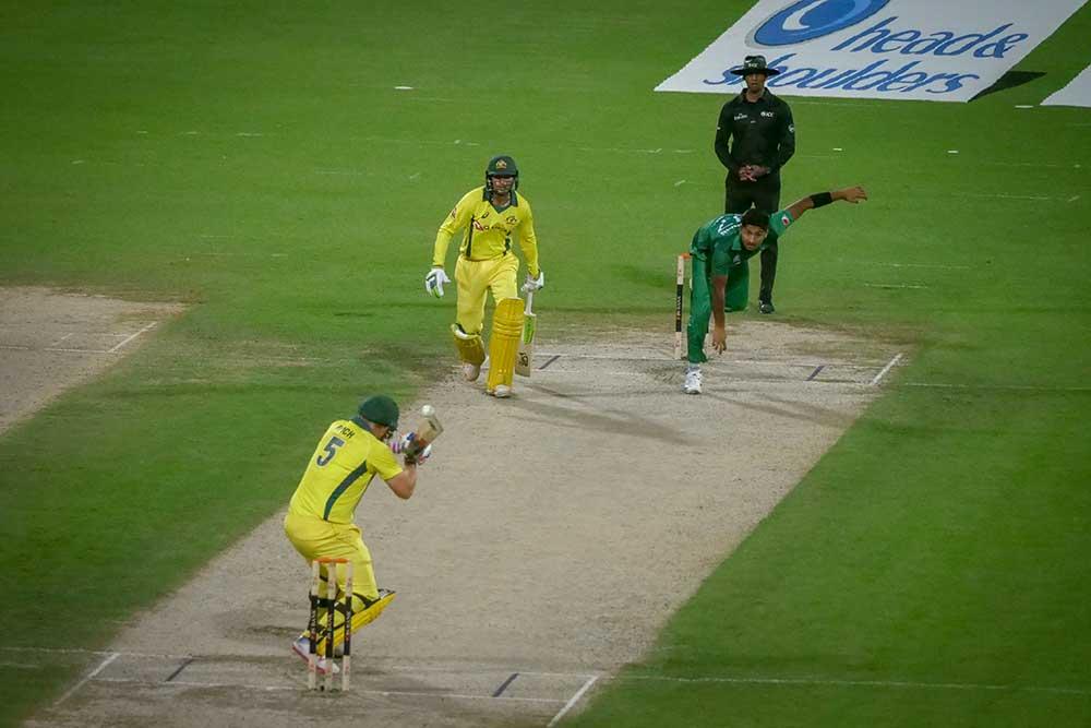 Finch ducks a Hasnain bouncer // Cricket Network