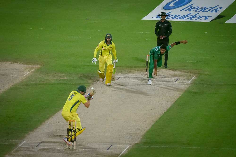 Finch ducks a Hasnain bouncer // Cricket Network