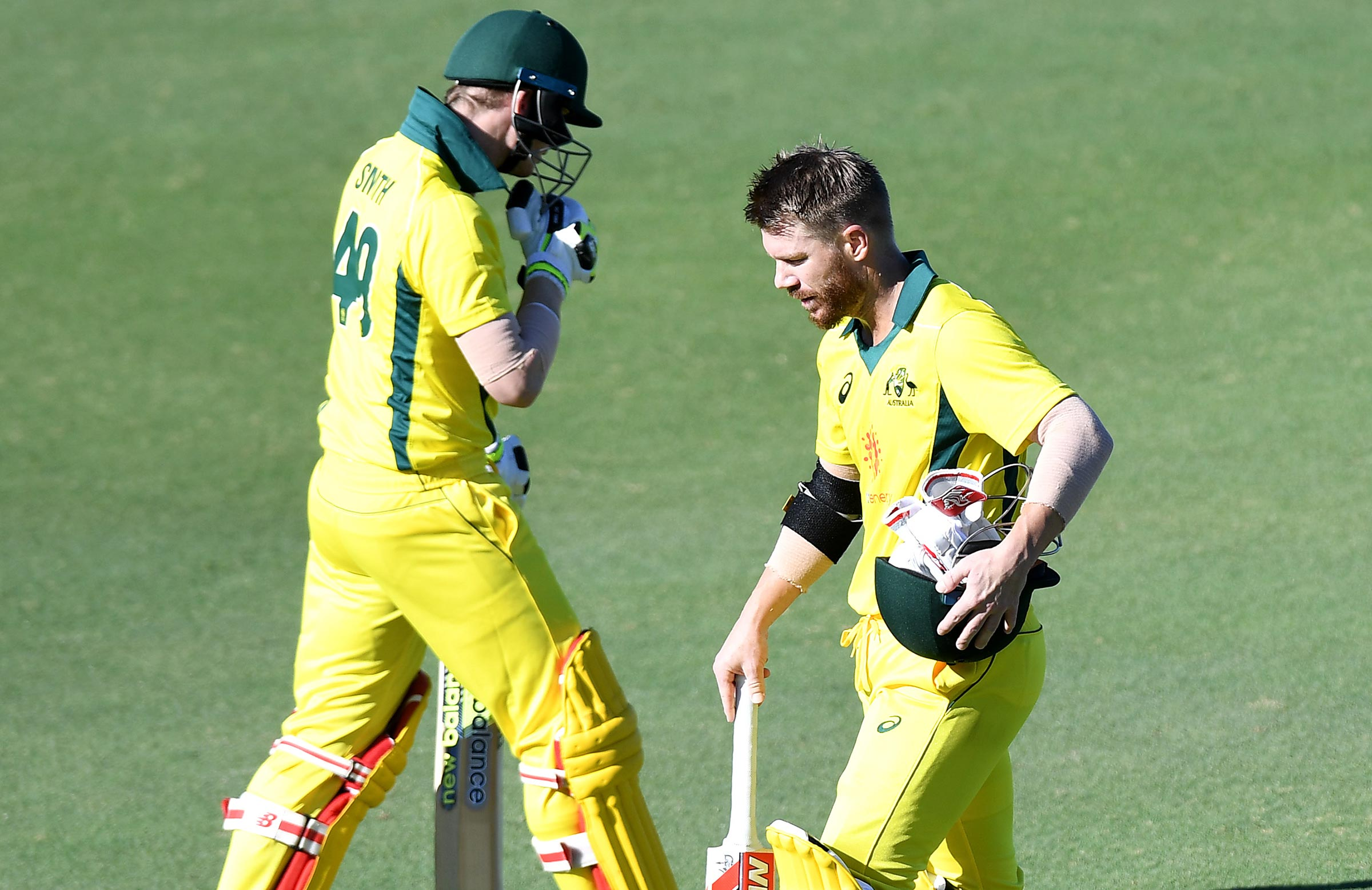 Warner and Smith cross paths at AB Field // Getty