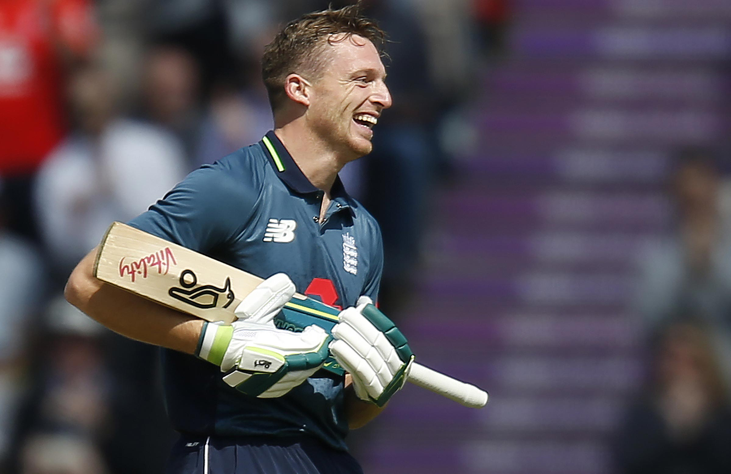 Buttler celebrates his daddy hundred // Getty