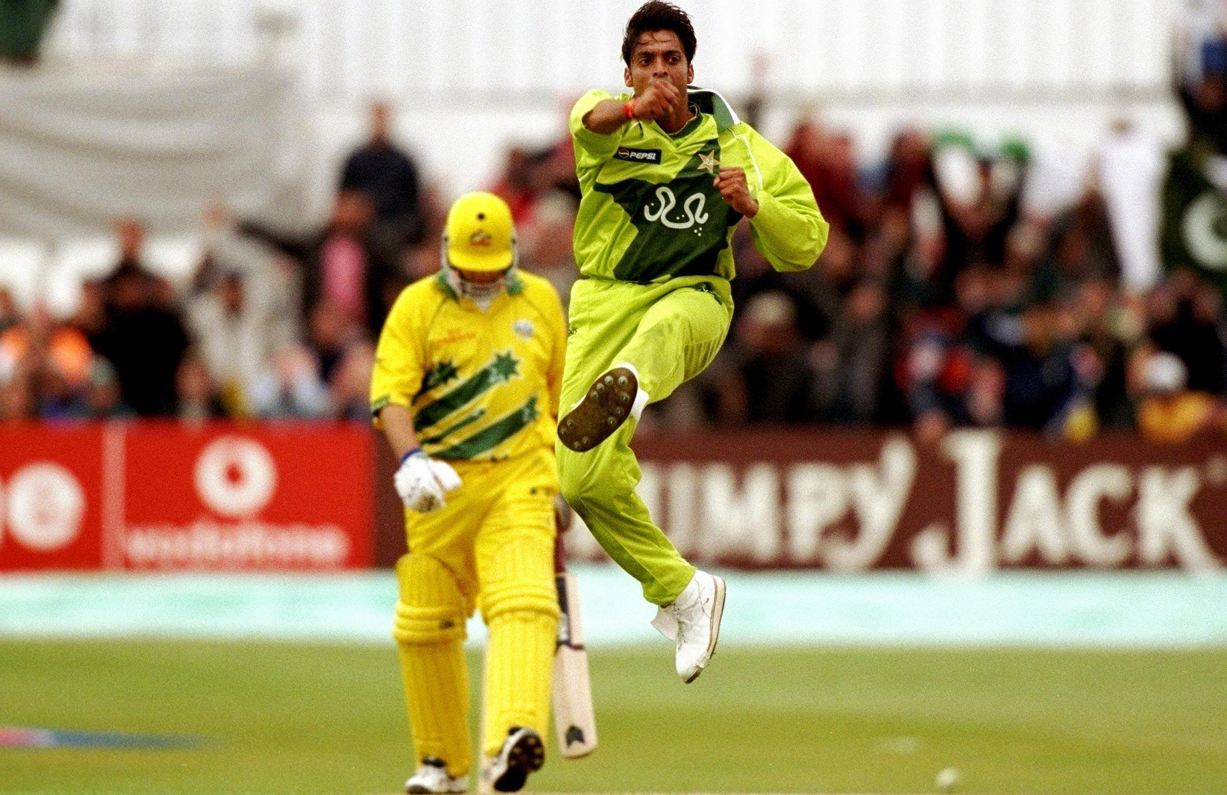 Shoaib Akhtar celebrates a wicket at Headlingley // Getty