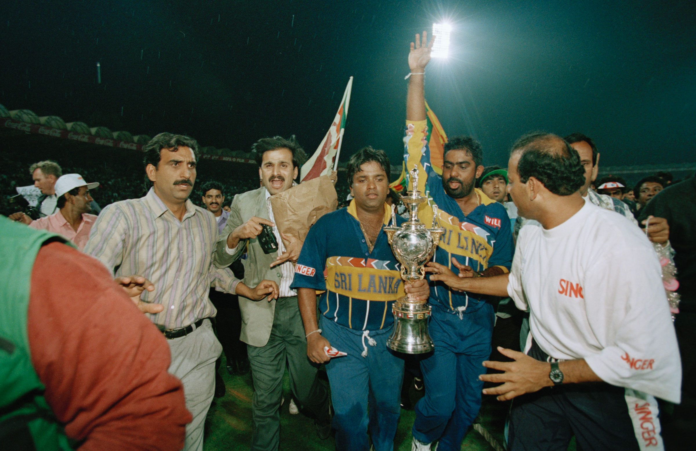 Sri Lanka celebrate the 1996 World Cup title // Getty Images
