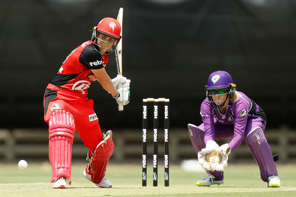 Molineux impressed with both the bat and bowl for the Melbourne Renegades in WBBL|04 // Getty