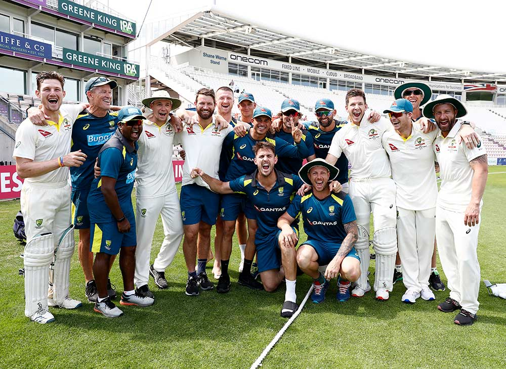 The victorious Hick XII celebrate the win // Getty