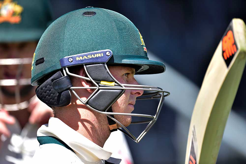Steve Smith wears a version of the neck protector in a February 2016 Test match against New Zealand // Getty