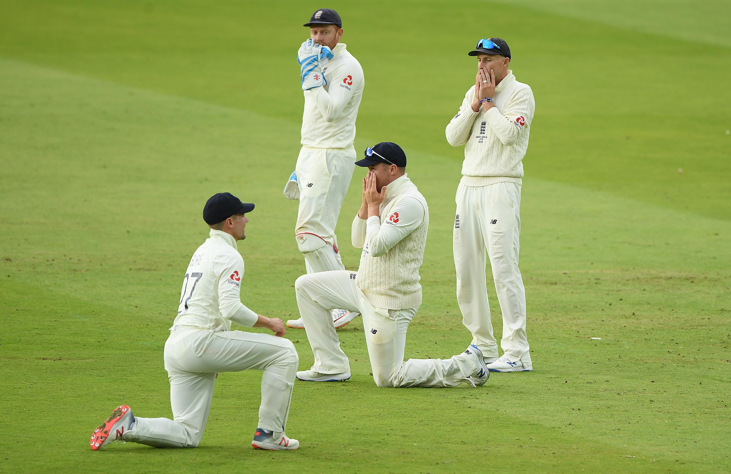England react to Roy's dropped catch // Getty