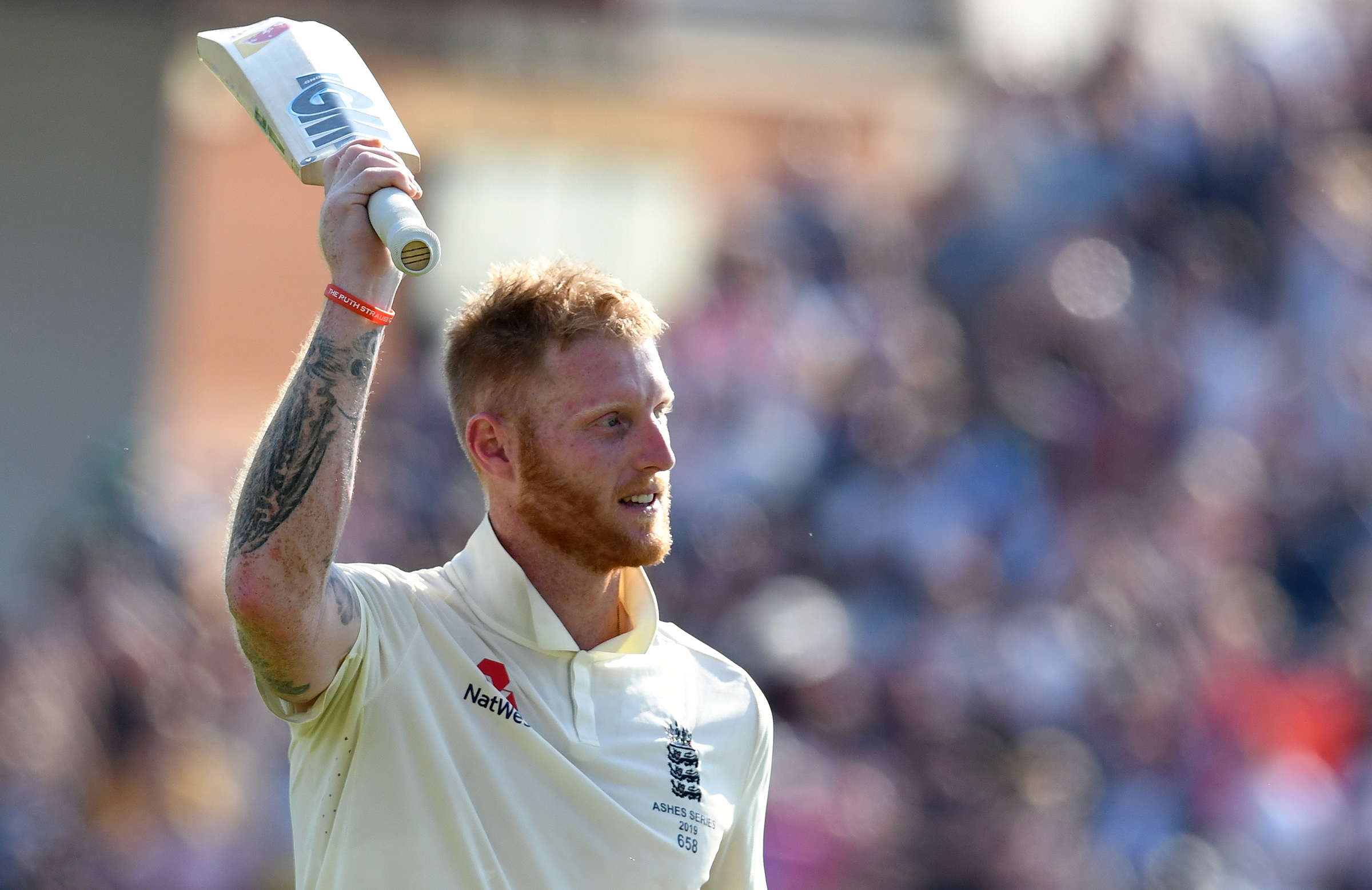 Stokes acknowledges the crowd after his incredible innings // Getty