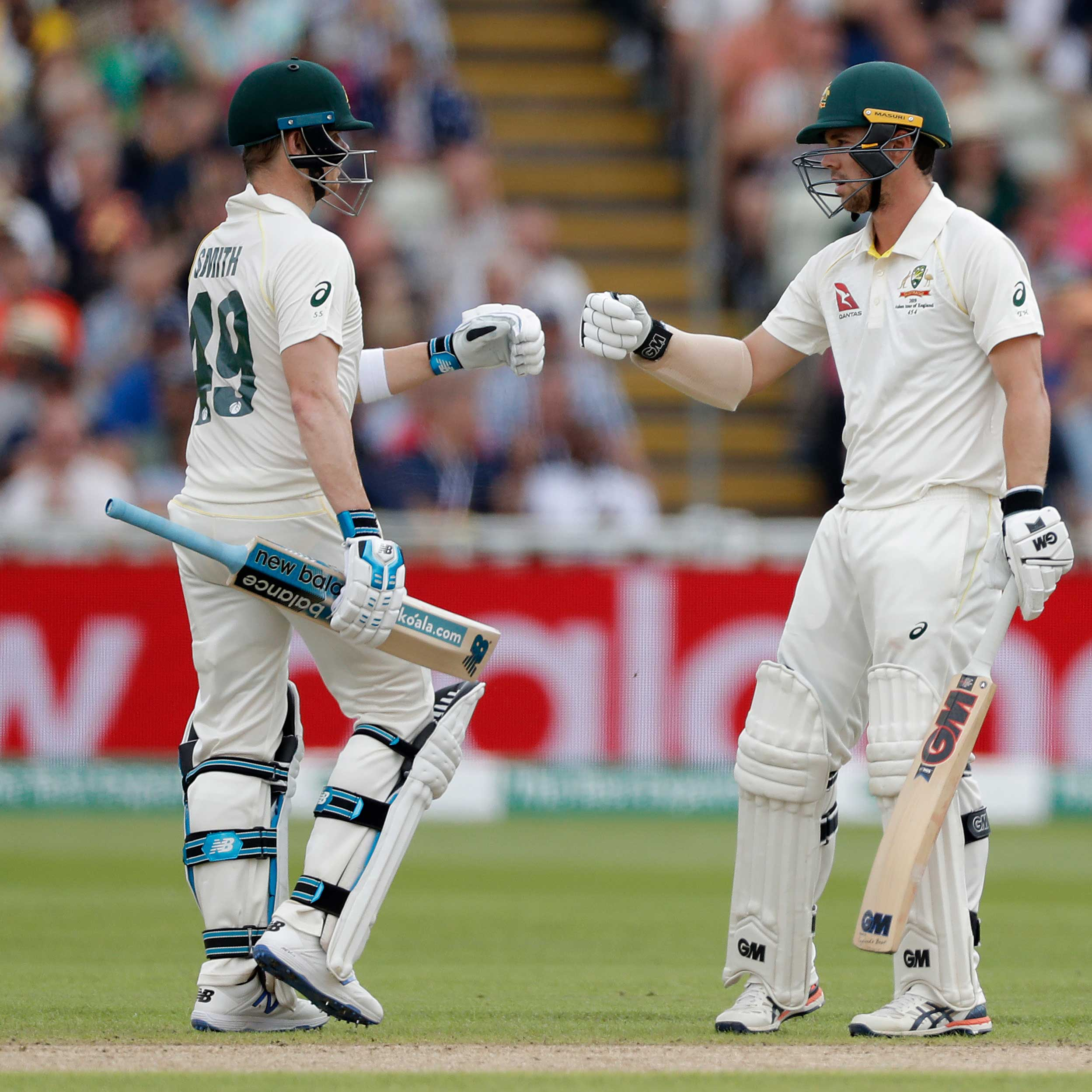 Smith Strikes Brilliant Century On Gripping Opening Day