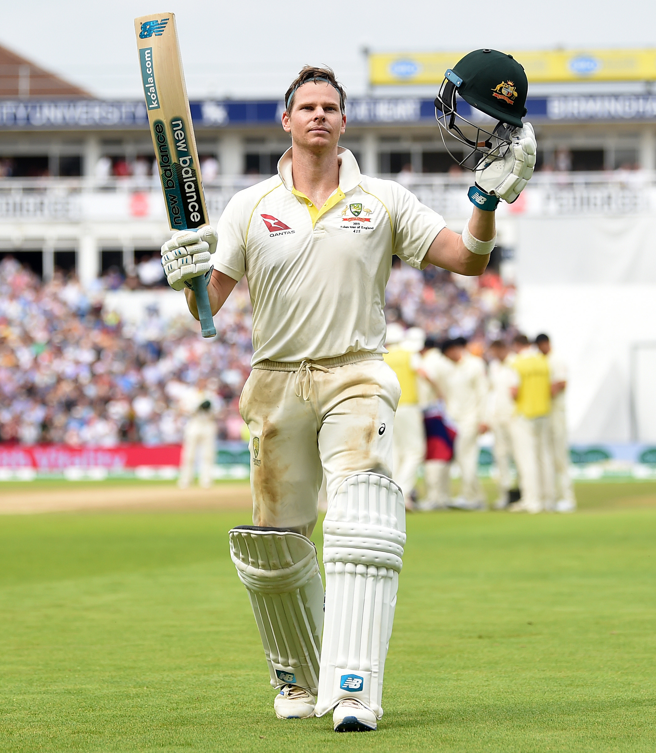 Smith soaks up applause after his second ton of the Test // Getty